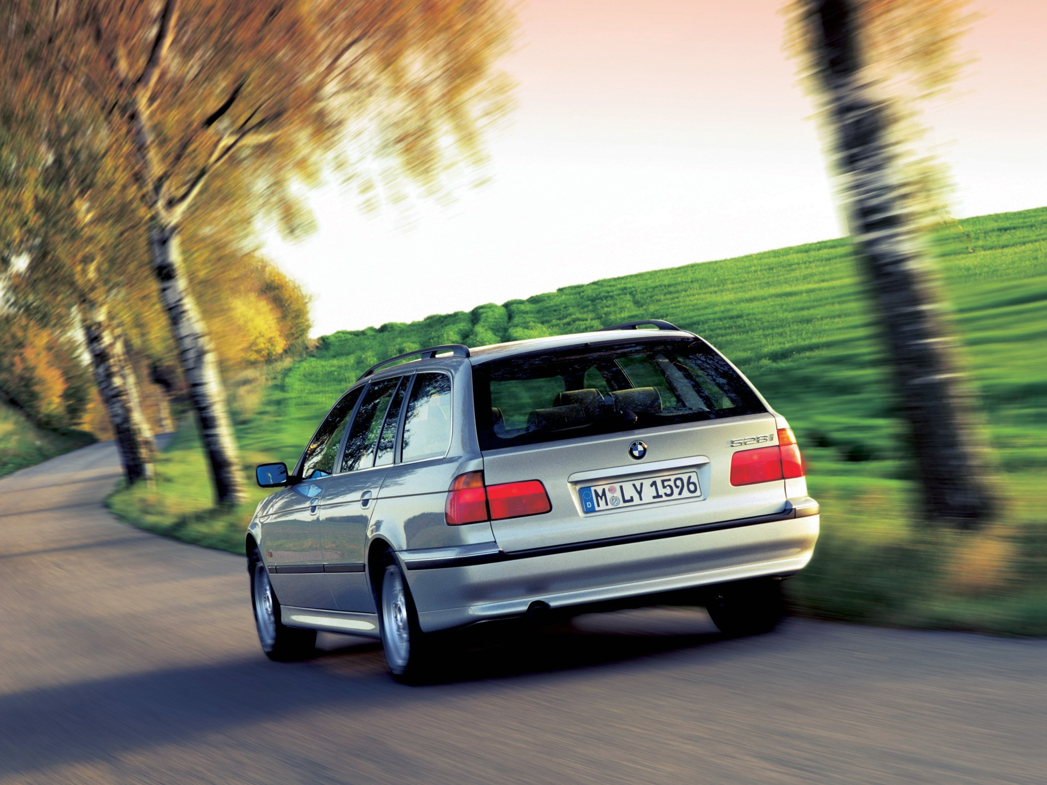 BMW 5 Series Touring E39 specs  1997 1998 1999 2000