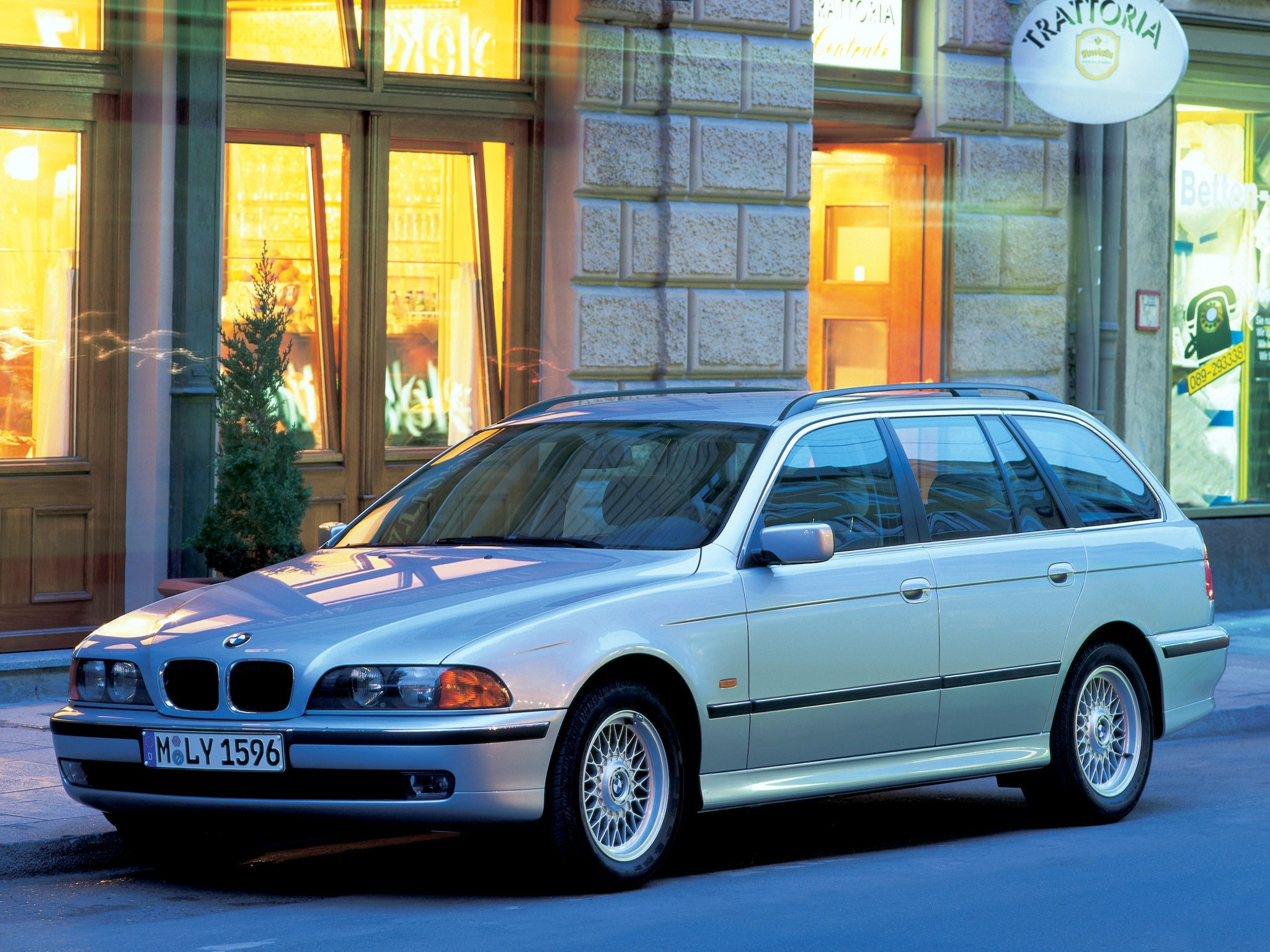 bmw 5 series touring e39 specs 1997 1998 1999 2000 autoevolution. Black Bedroom Furniture Sets. Home Design Ideas