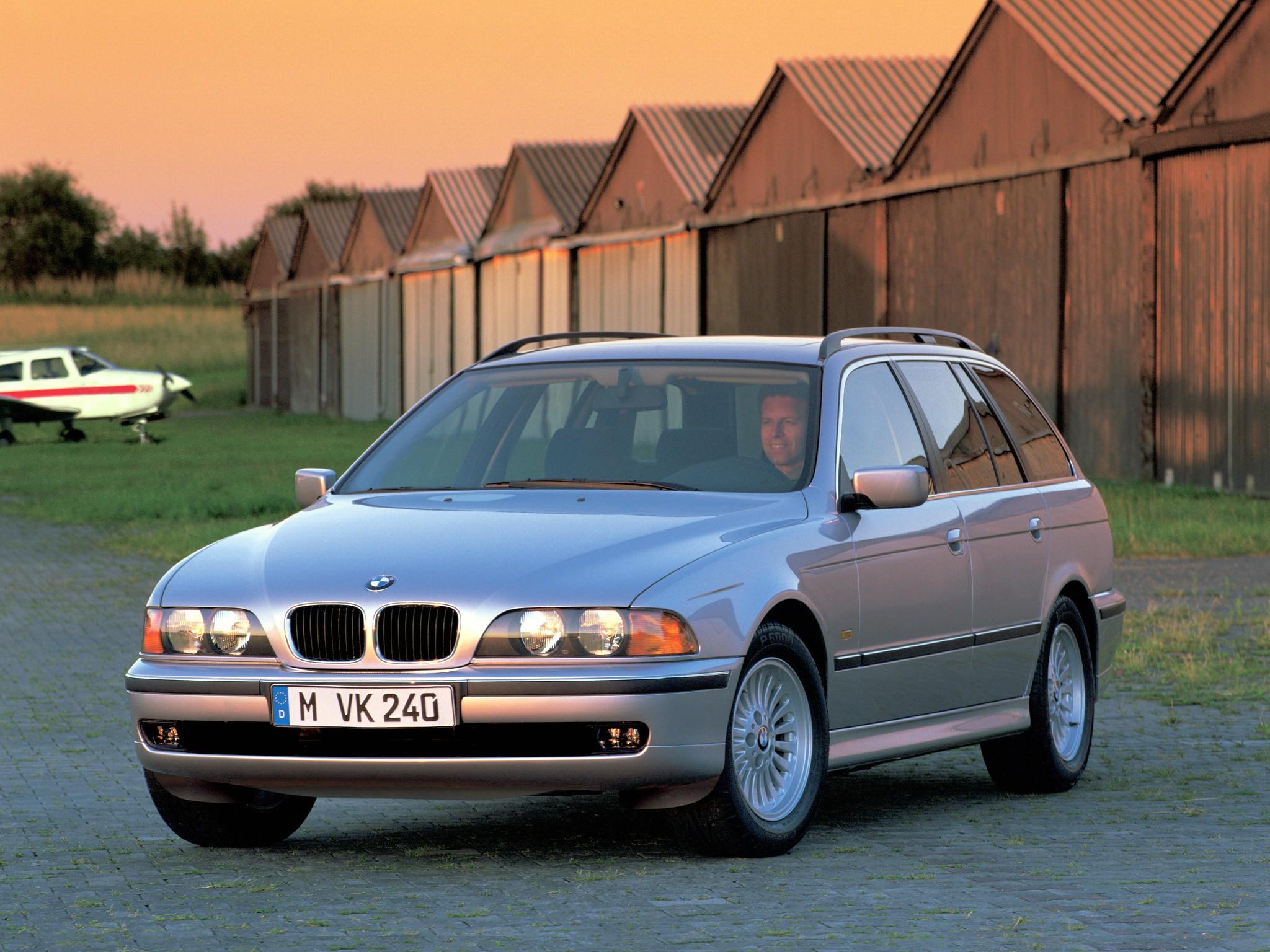bmw 5 series touring e39 1997 1998 1999 2000 autoevolution. Black Bedroom Furniture Sets. Home Design Ideas
