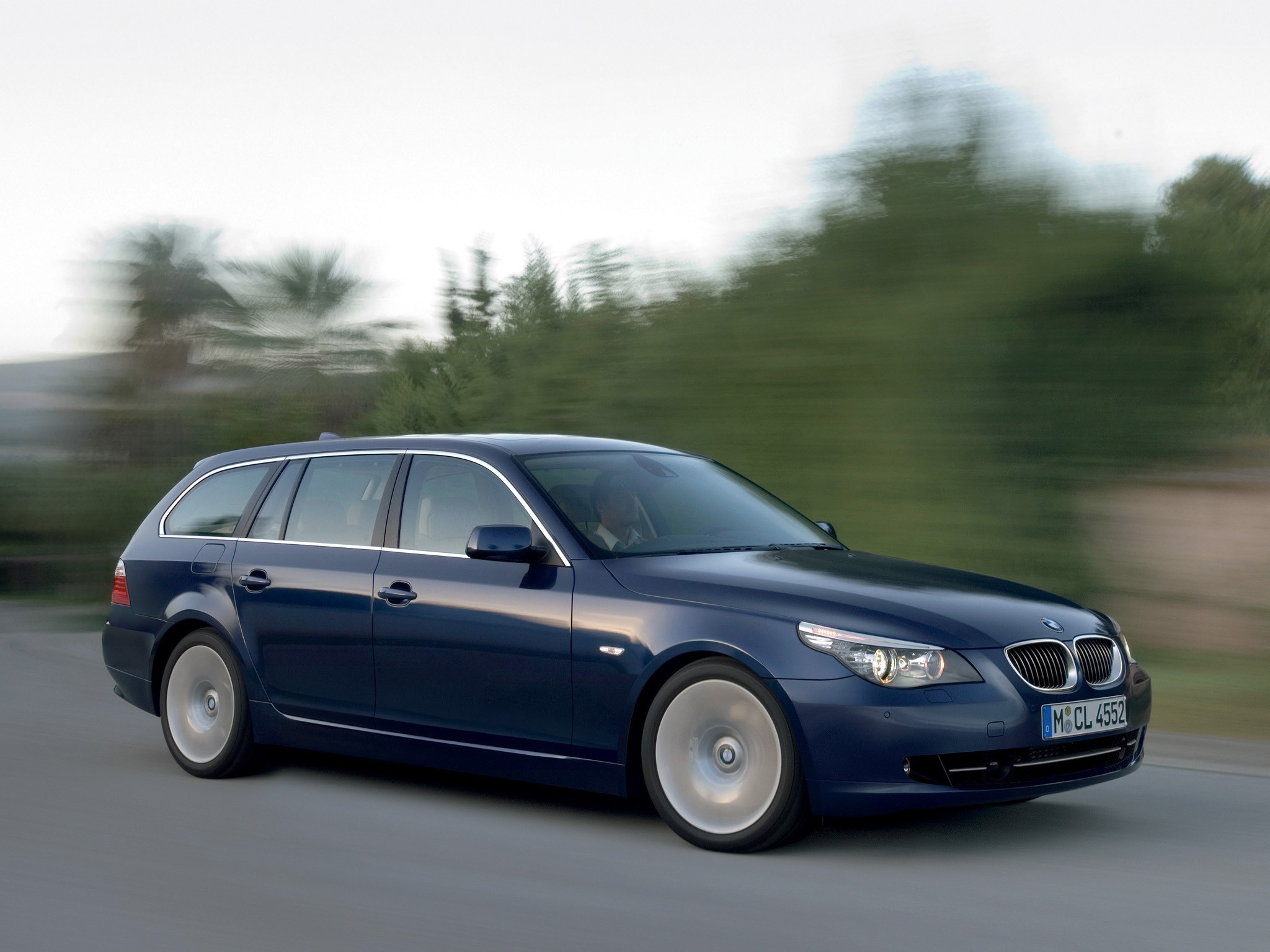 bmw 5 series touring e61 specs photos 2007 2008. Black Bedroom Furniture Sets. Home Design Ideas
