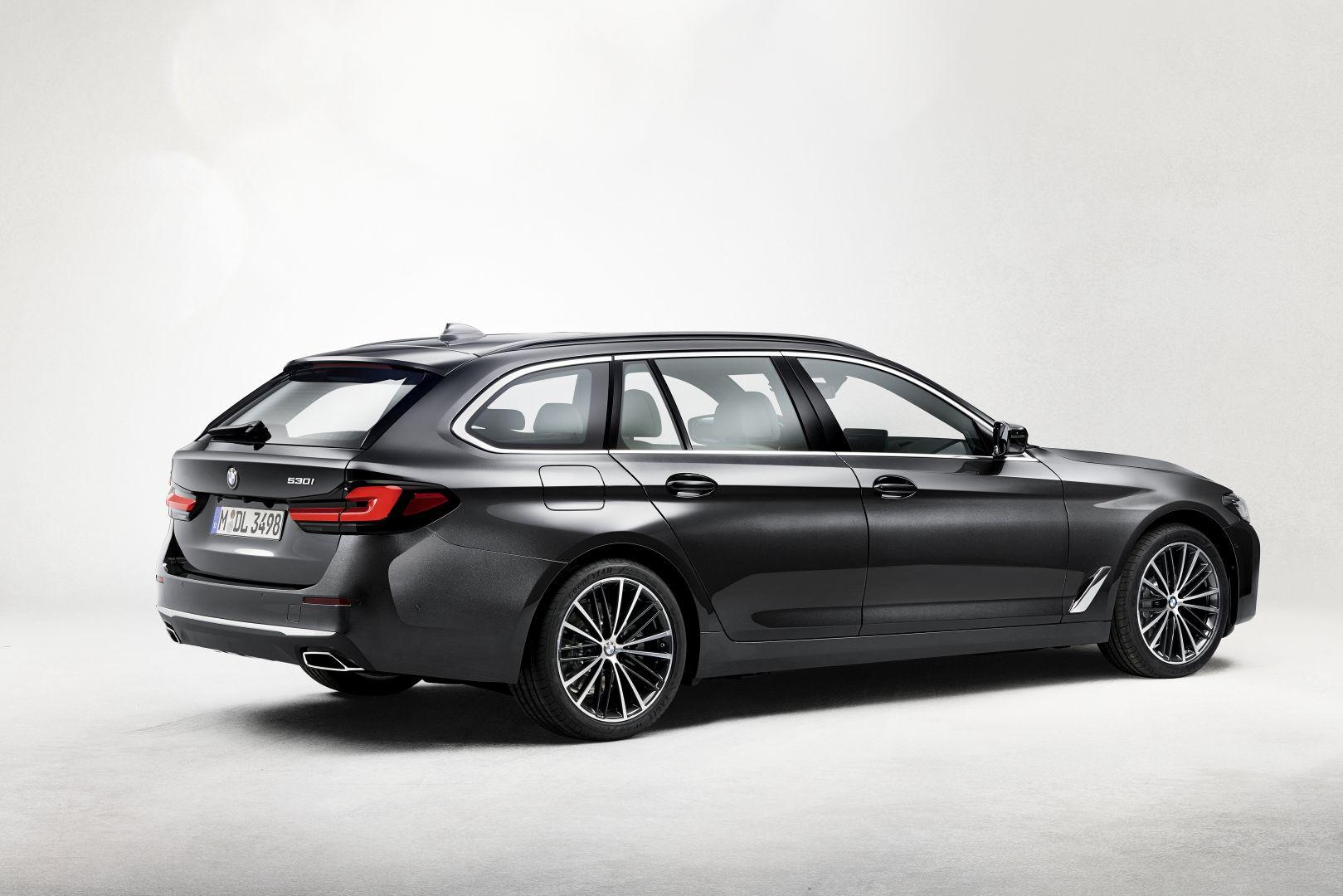 BMW 5 Series Touring specs & photos - 2020 - autoevolution