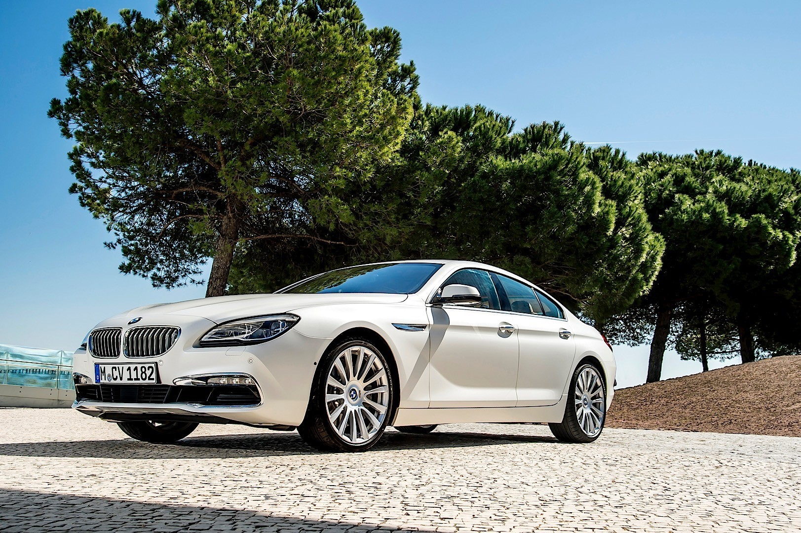 bmw 6 series gran coupe f06 2012 2013 2014 2015 autoevolution. Black Bedroom Furniture Sets. Home Design Ideas