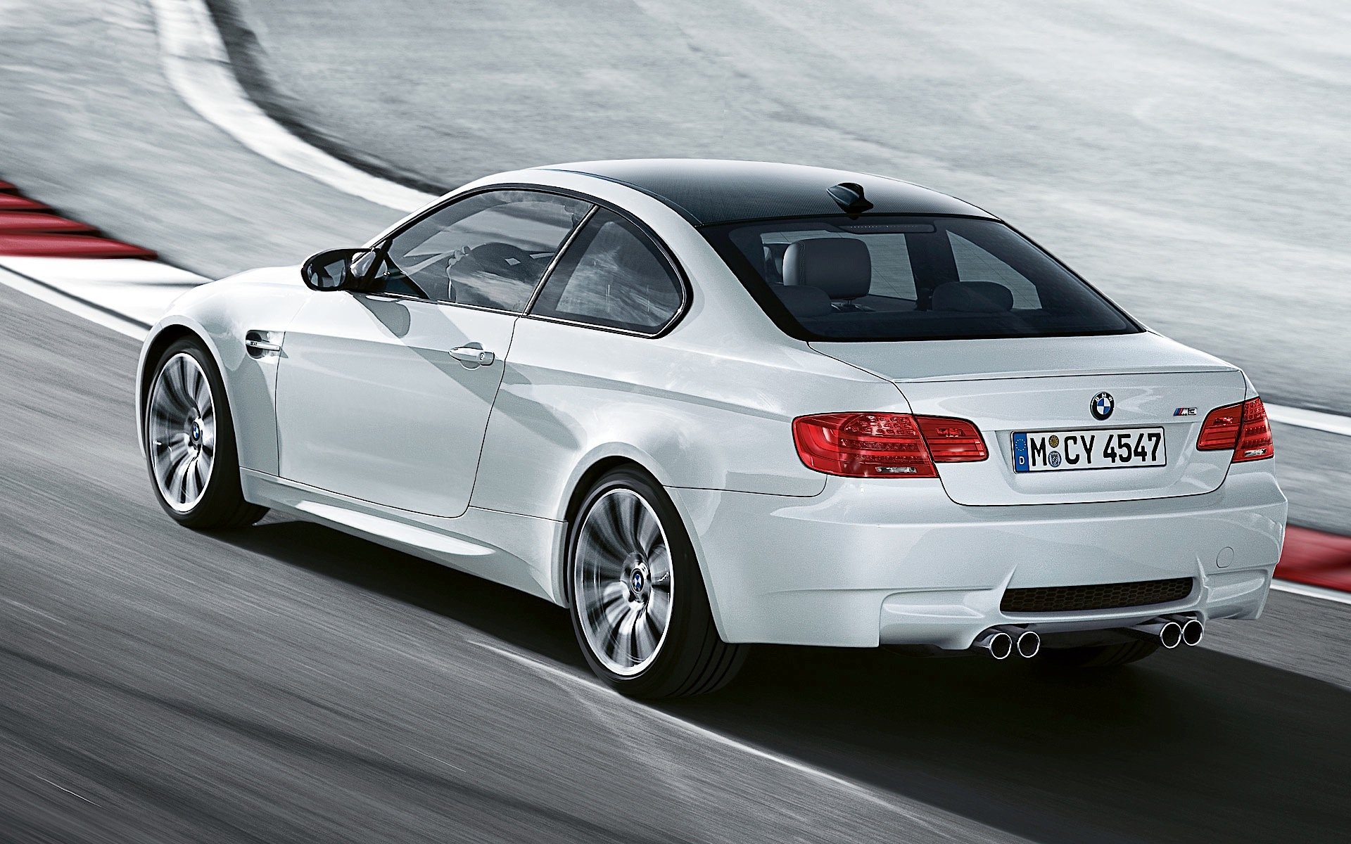 bmw m3 coupe e92 lci specs 2010 2011 2012 2013 autoevolution. Black Bedroom Furniture Sets. Home Design Ideas