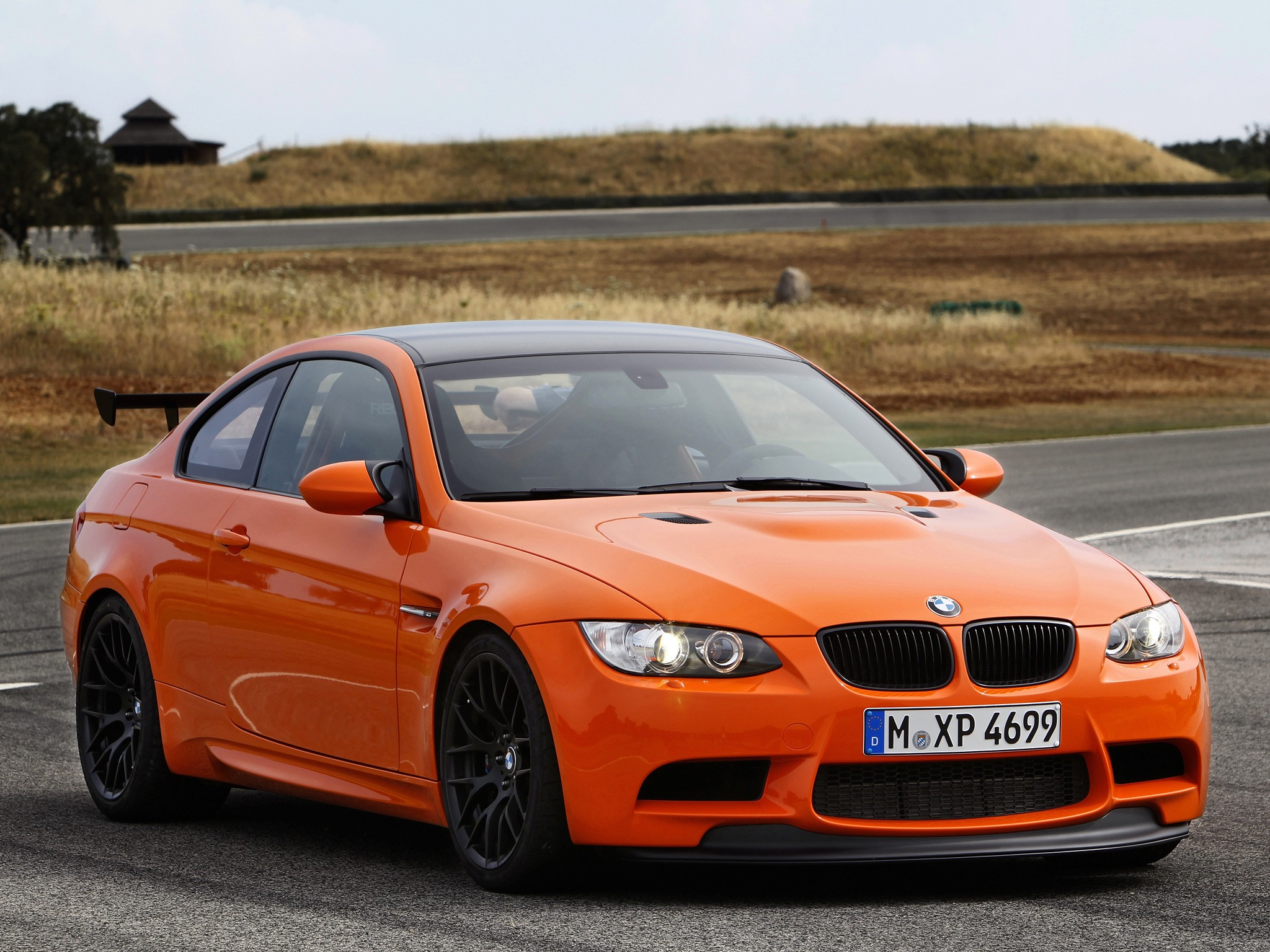bmw m3 gts e92 specs 2010 2011 autoevolution. Black Bedroom Furniture Sets. Home Design Ideas