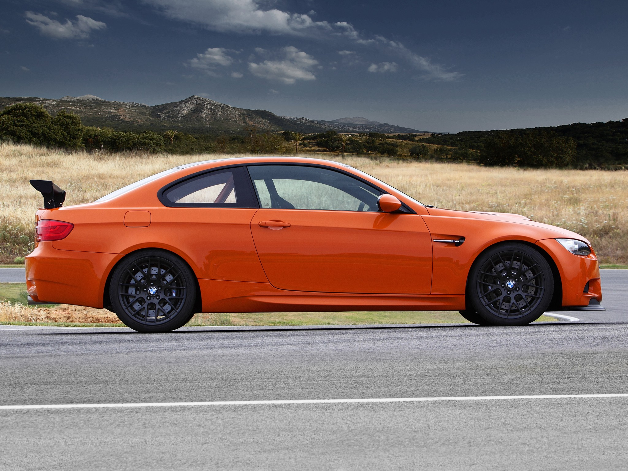 BMW M3 GTS (E92) specs - 2010, 2011 - autoevolution