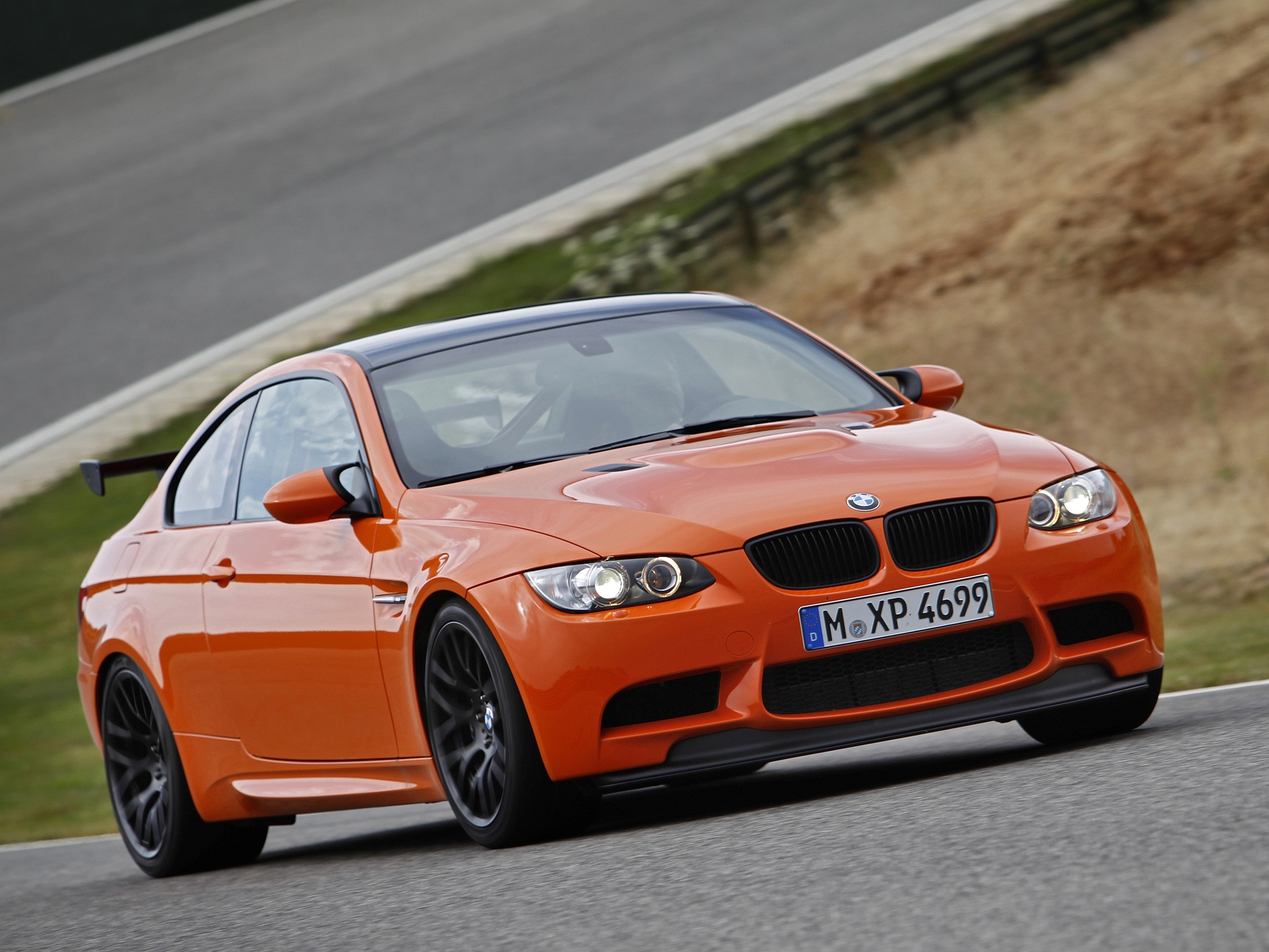 bmw m3 gts e92 specs photos 2010 2011 autoevolution. Black Bedroom Furniture Sets. Home Design Ideas
