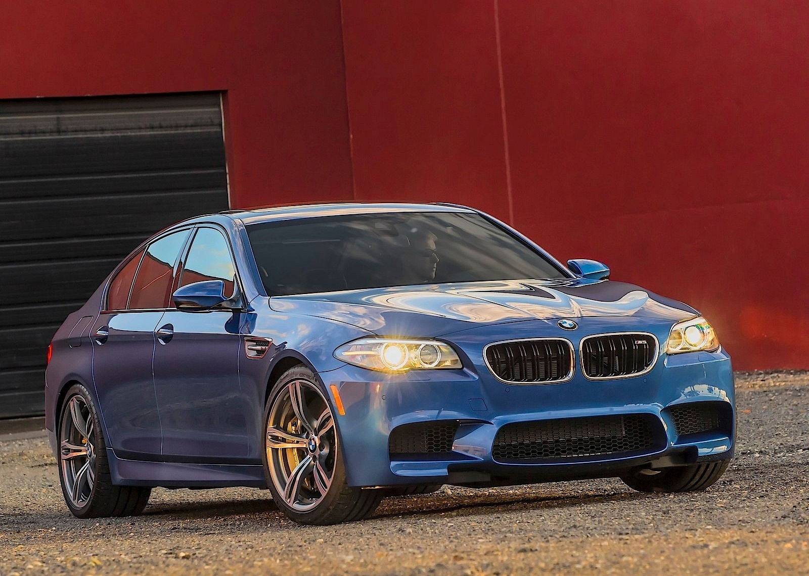 Bmw M5 F10 Lci Specs Photos 2013 2014 2015 2016 2017 Autoevolution