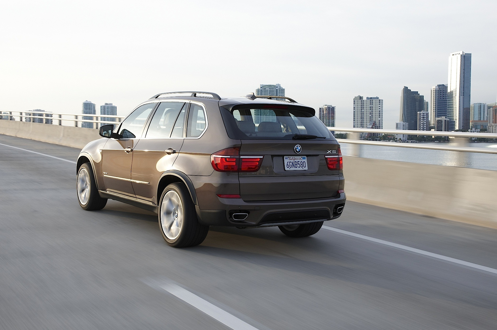 gross vehicle weight of bmw x5 autos post. Black Bedroom Furniture Sets. Home Design Ideas
