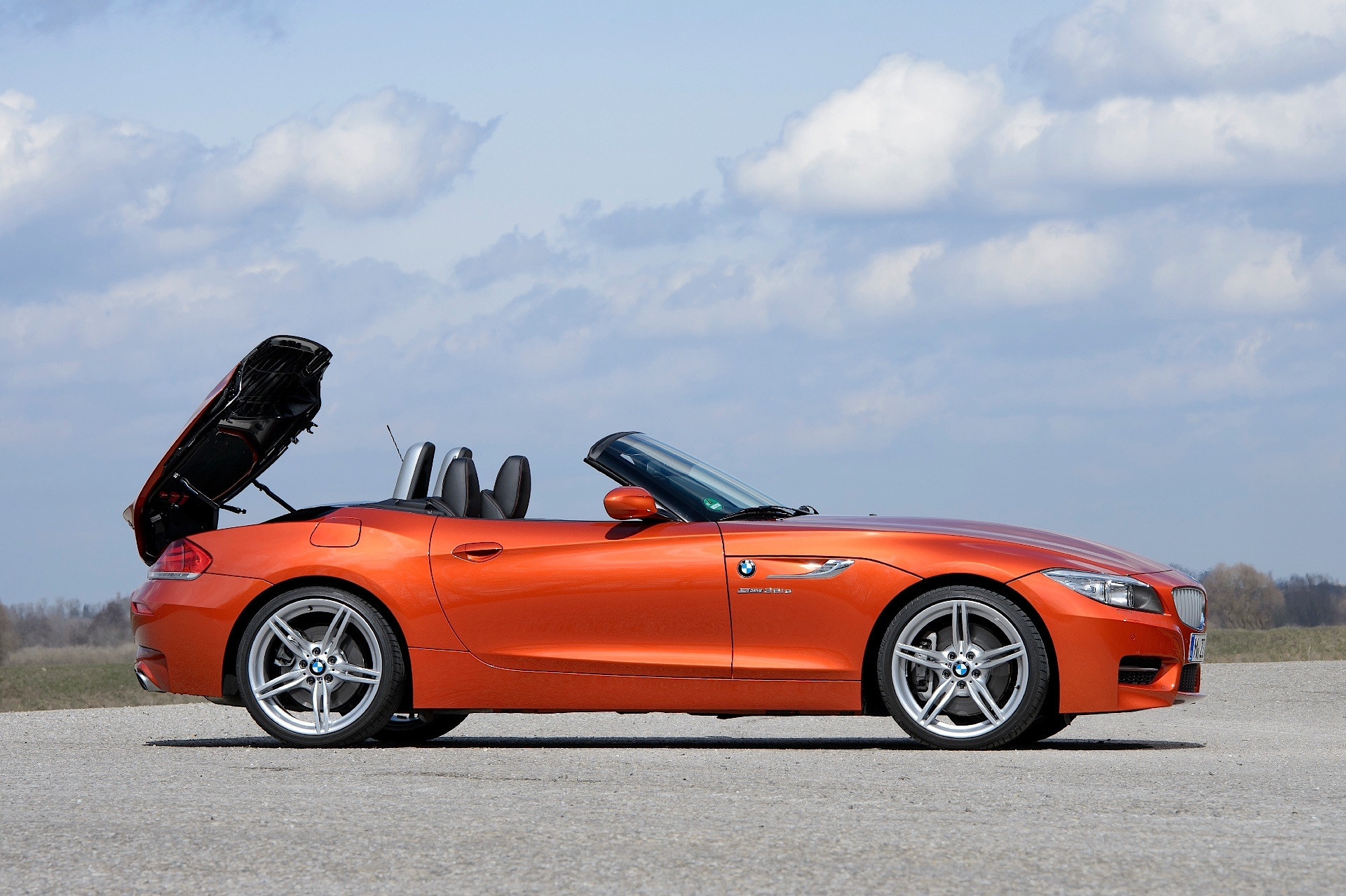 bmw z4 roadster lci e89 specs photos 2013 2014 2015 2016 autoevolution. Black Bedroom Furniture Sets. Home Design Ideas