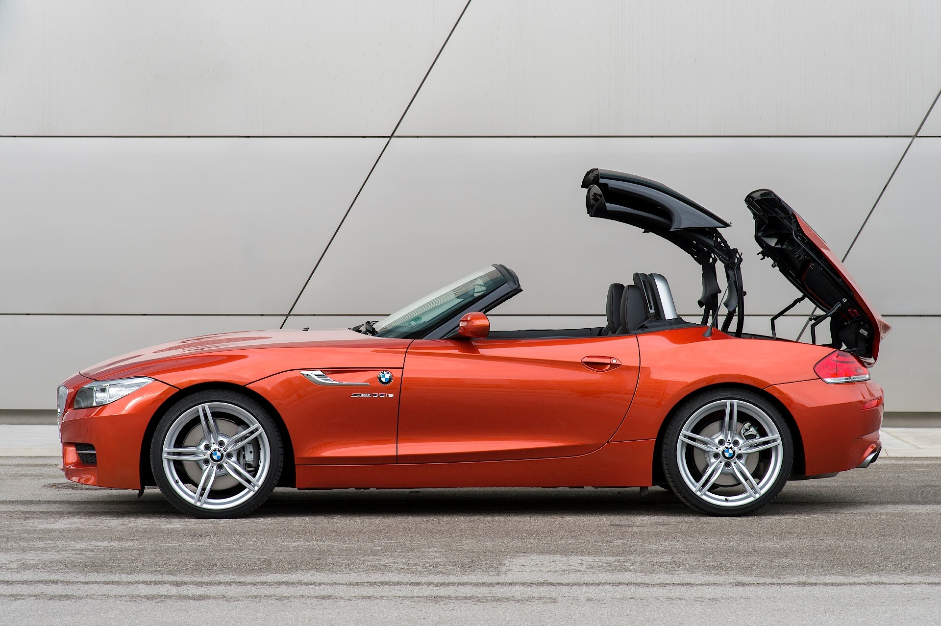 bmw z4 roadster lci e89 specs 2013 2014 2015 2016 autoevolution. Black Bedroom Furniture Sets. Home Design Ideas