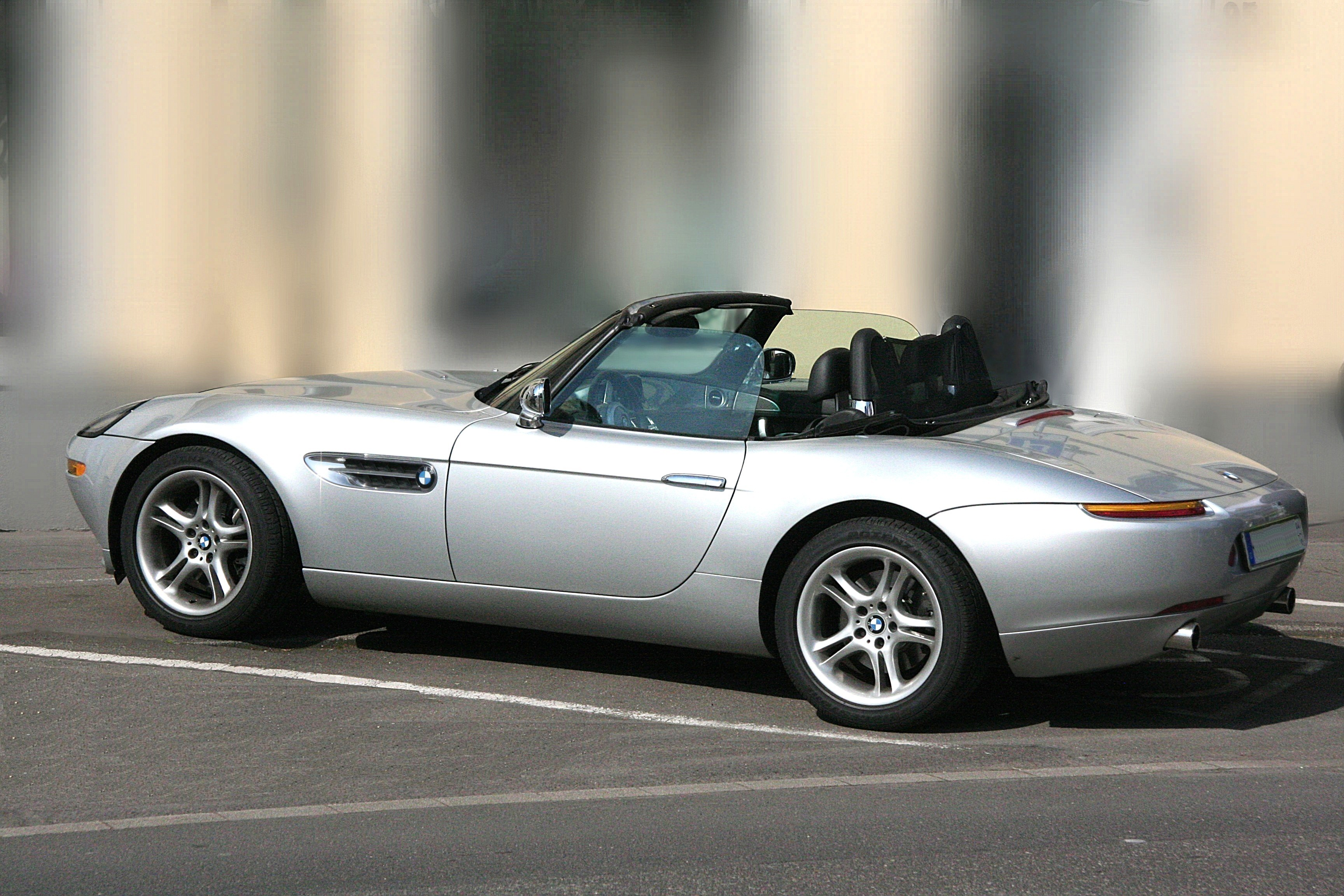 Bmw Z8 Roadster E52 Specs Amp Photos 2000 2001 2002