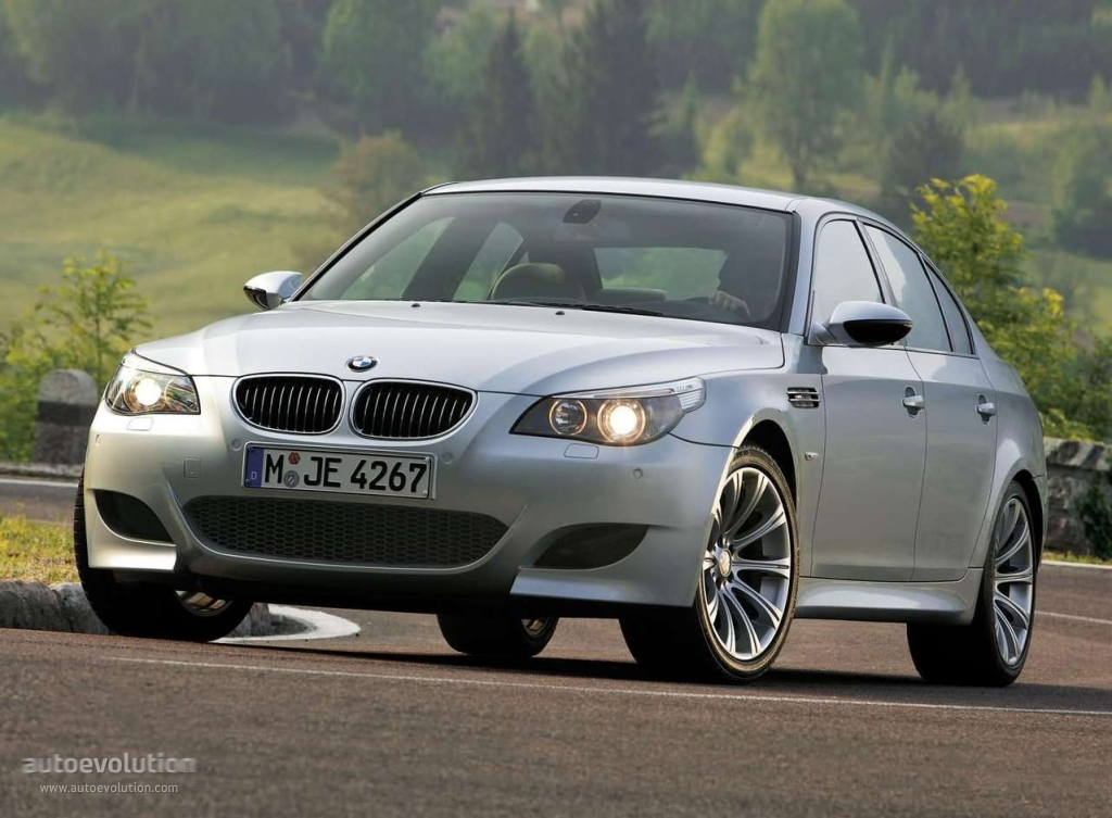 bmw m5 e60 specs photos 2005 2006 2007 2008 2009 2010 autoevolution. Black Bedroom Furniture Sets. Home Design Ideas