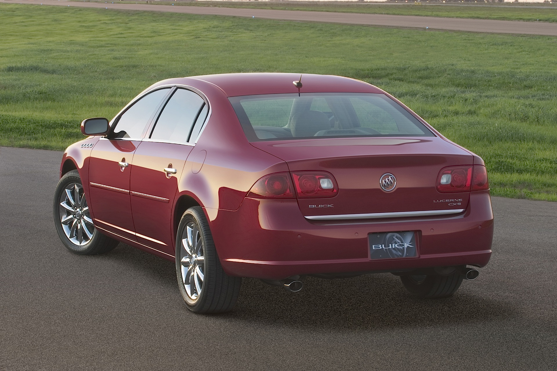 Buick Lucerne on 2007 Buick Lacrosse China