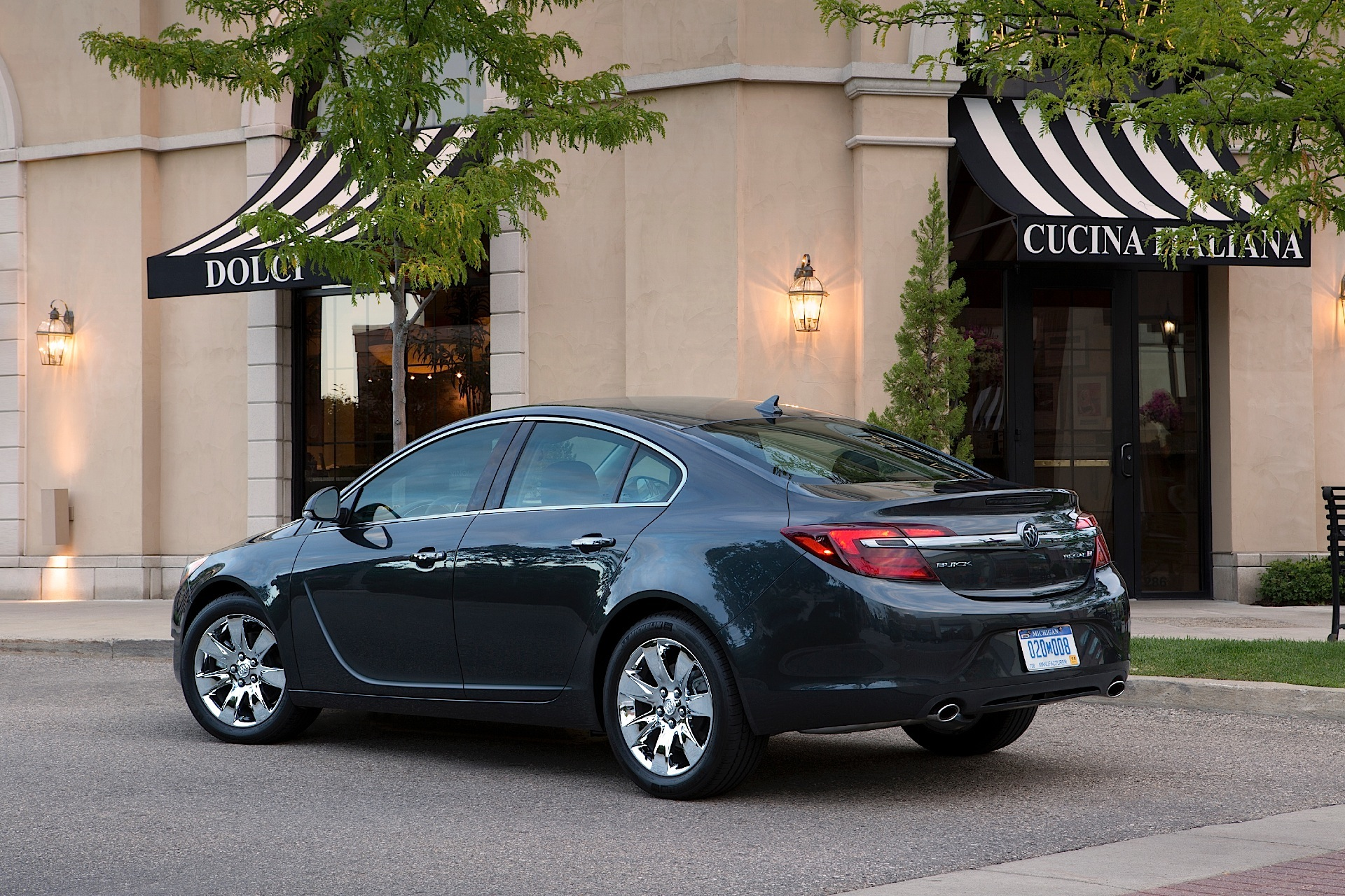 ... BUICK Regal (2010 - Present) ...