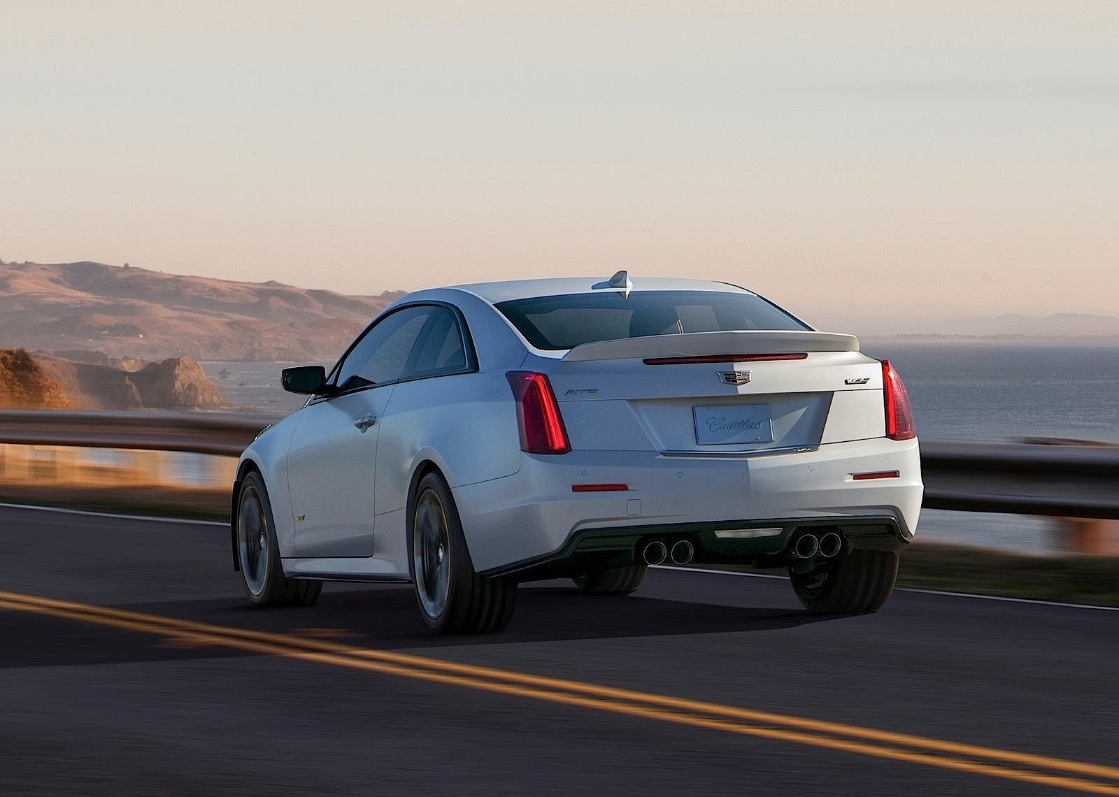 cadillac ats v coupe 2015 2016 autoevolution. Black Bedroom Furniture Sets. Home Design Ideas