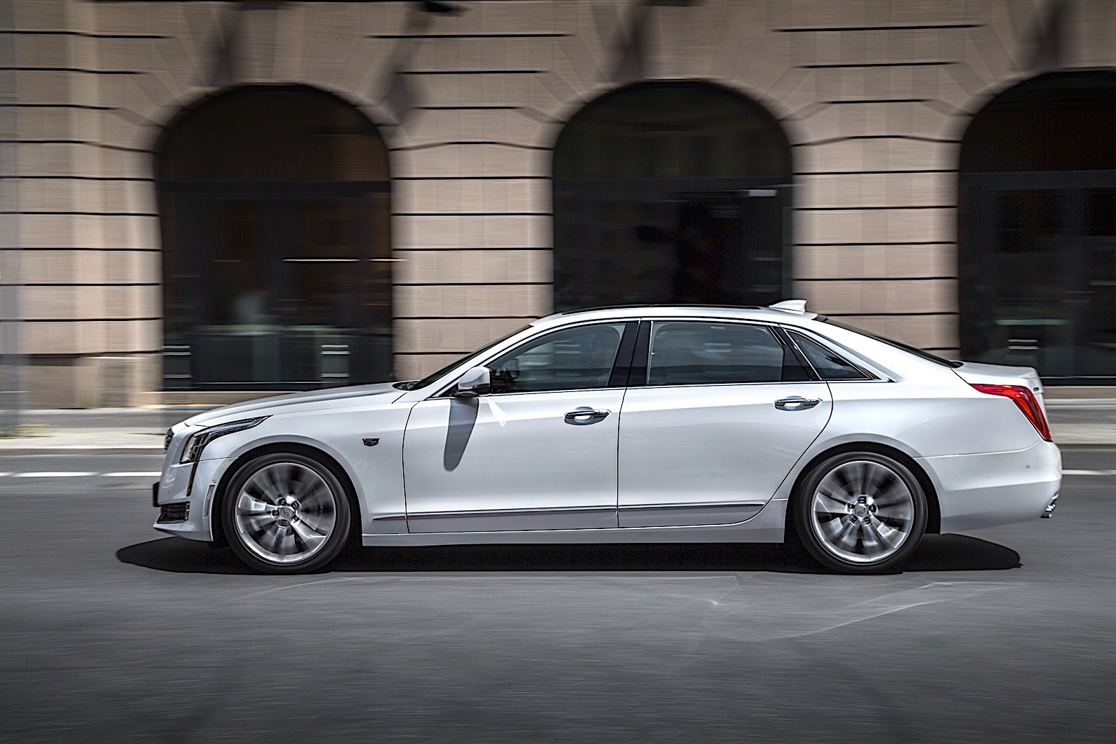 CADILLAC CT6 specs & photos - 2016, 2017, 2018, 2019, 2020 ...