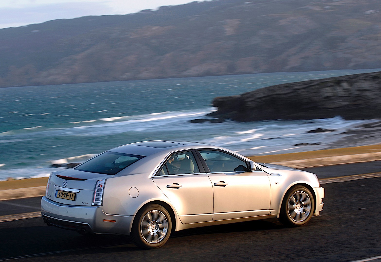 CADILLAC CTS specs & photos - 2007, 2008, 2009, 2010, 2011 ...