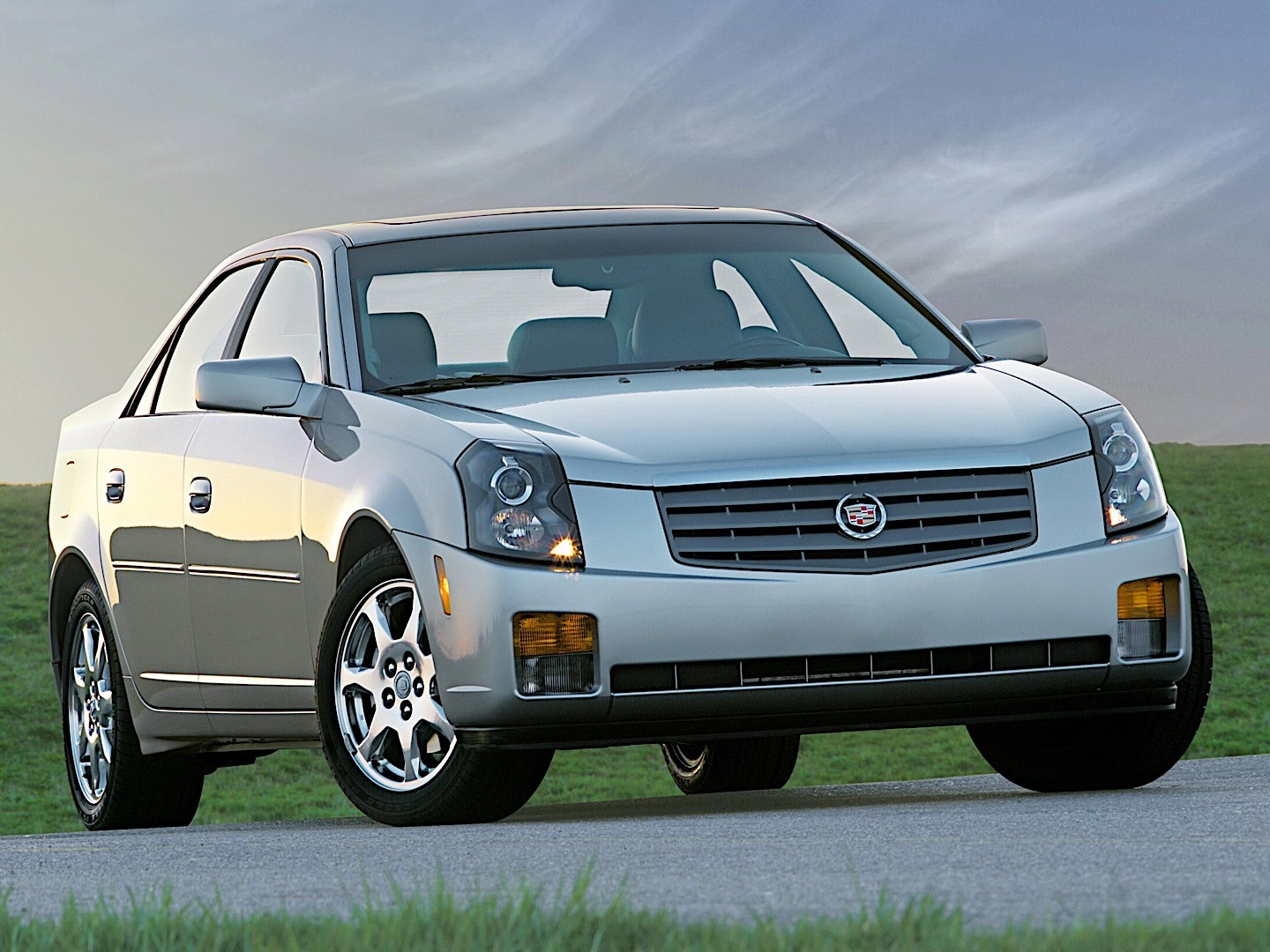 CADILLAC CTS specs & photos - 2002, 2003, 2004, 2005, 2006 ...