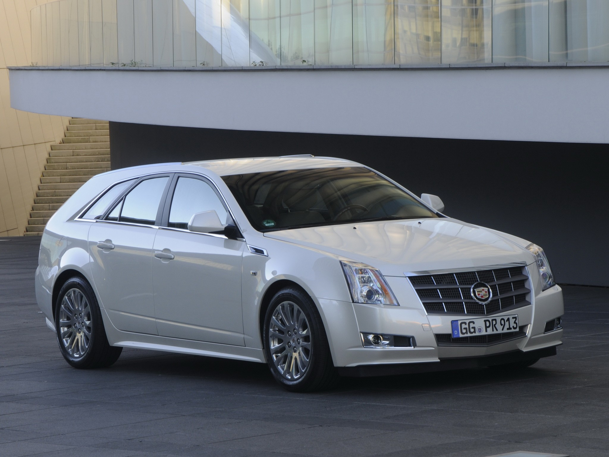 2010 Cadillac CTS Sport Wagon photo - 1