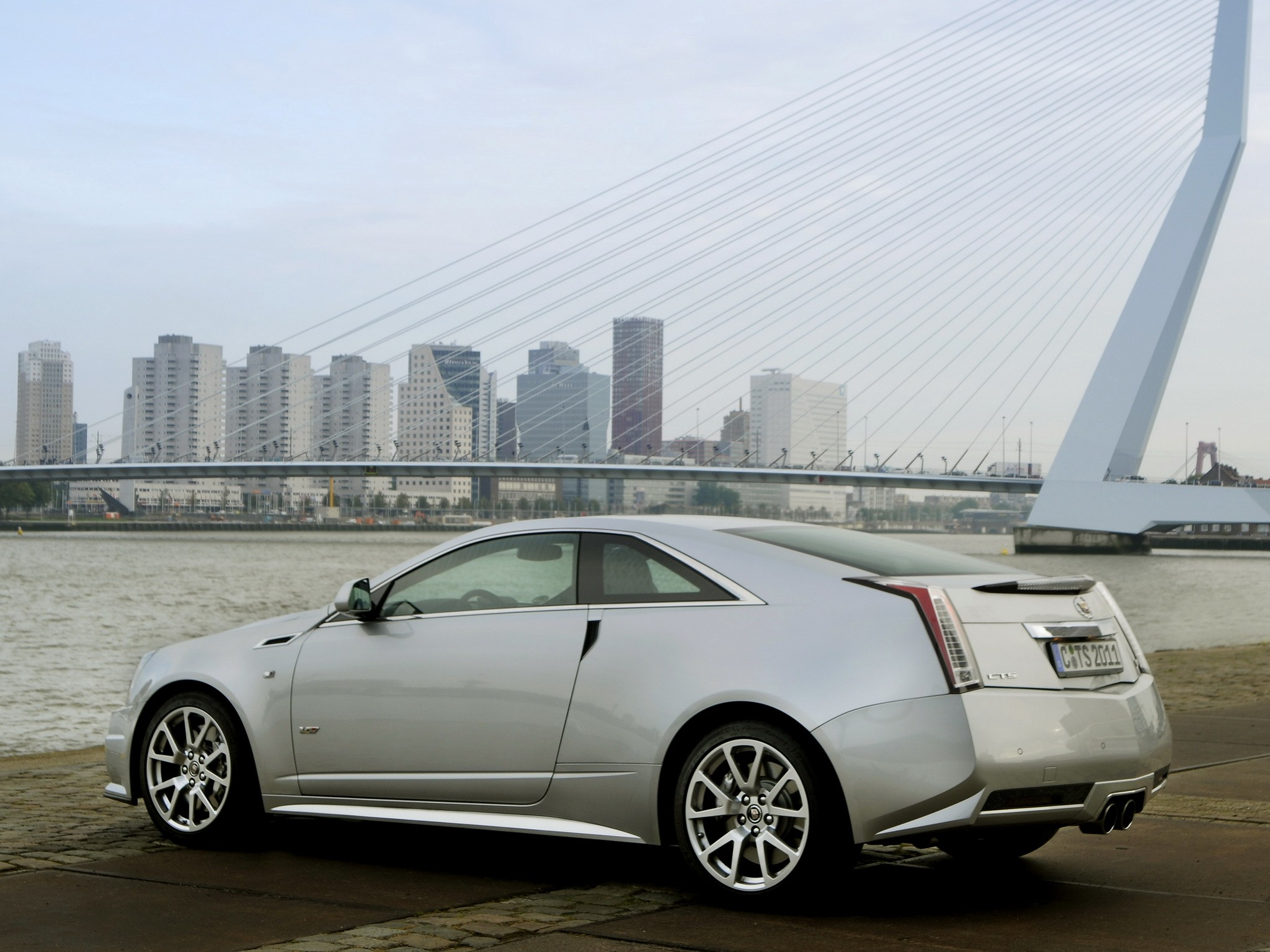 Cadillac Cts Coupe 2016 >> CADILLAC CTS-V Coupe specs & photos - 2012, 2013, 2014, 2015, 2016, 2017, 2018, 2019 - autoevolution