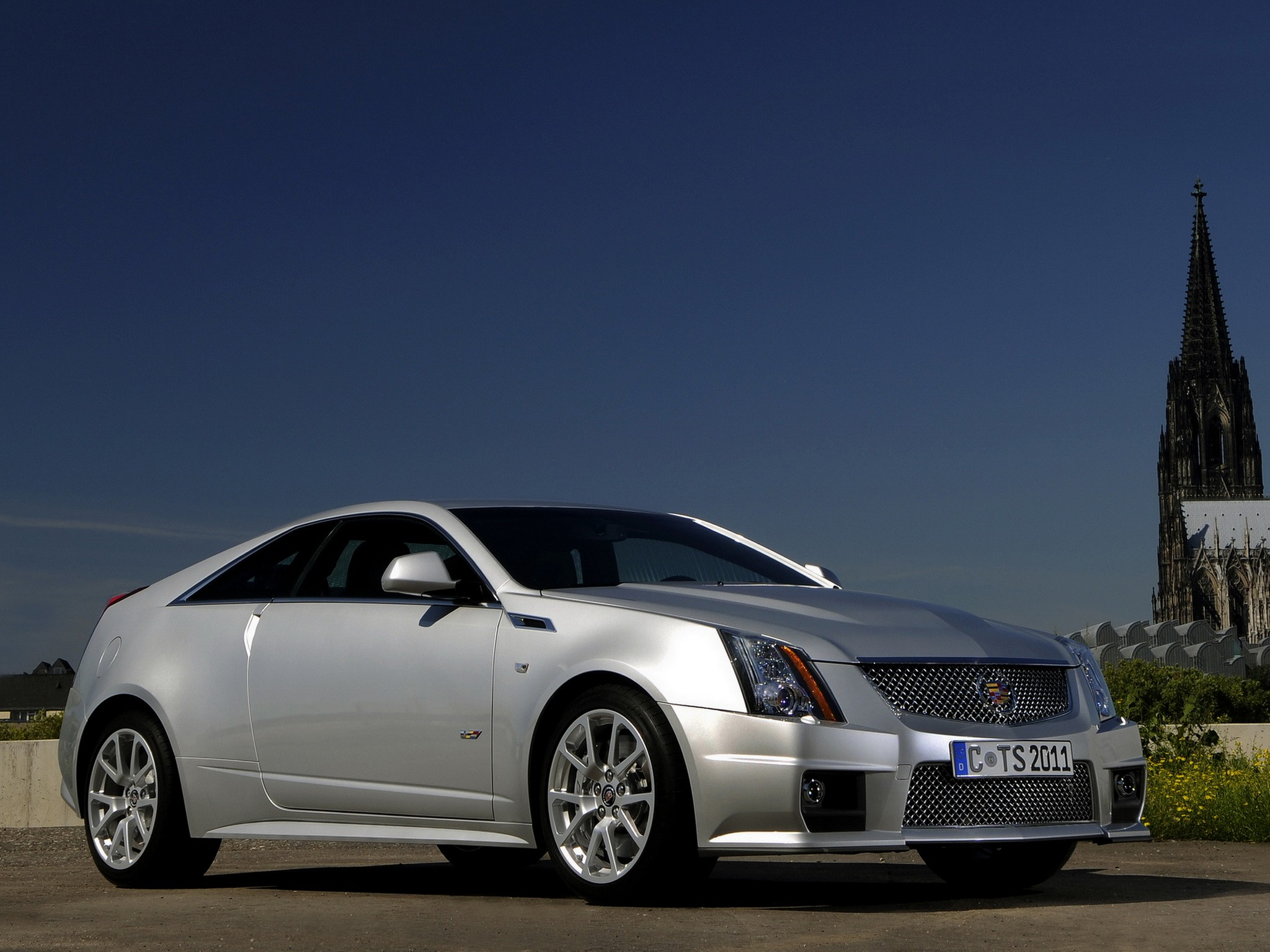 CADILLAC CTS-V Coupe specs & photos - 2012, 2013, 2014 ...