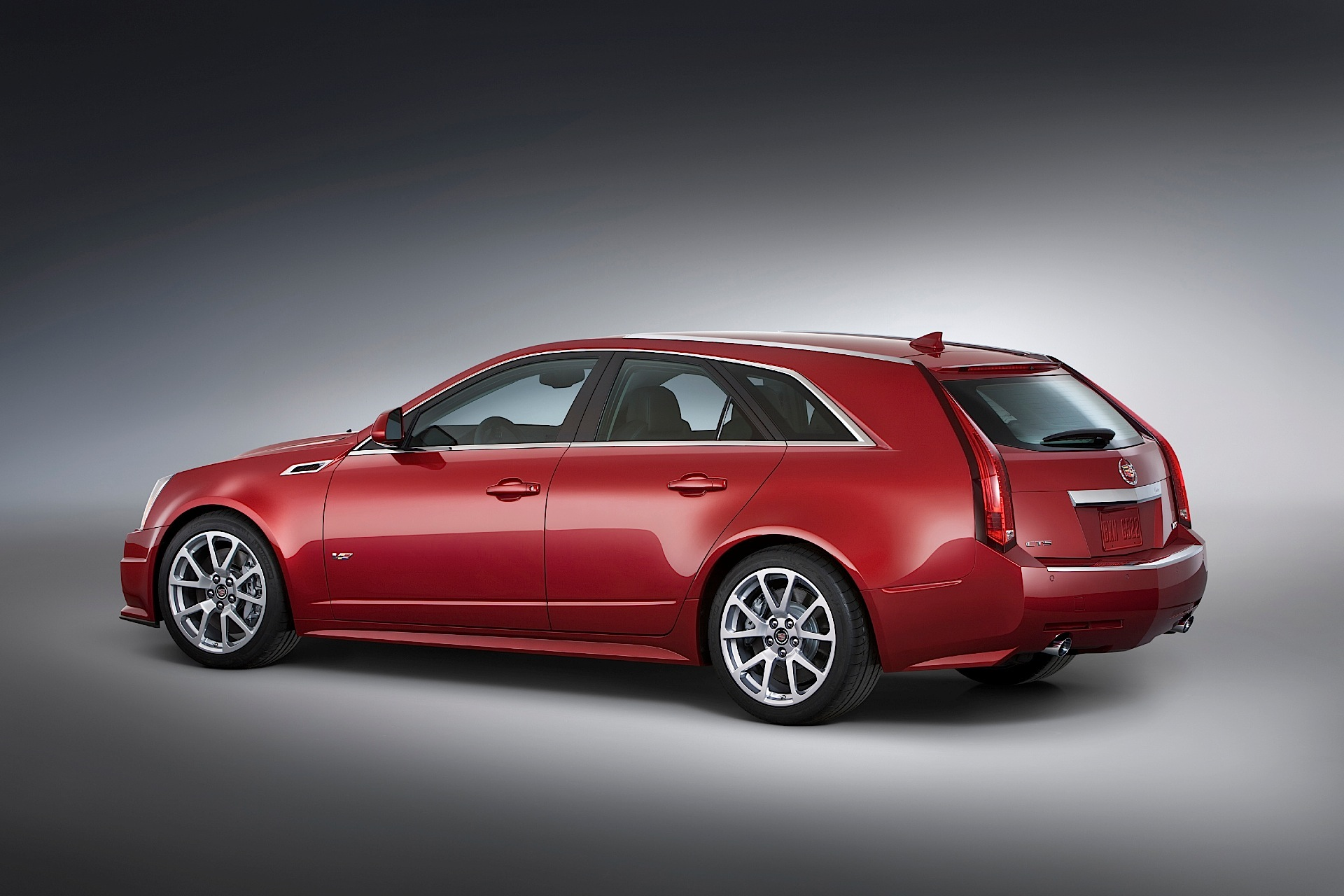 Cadillac Cts V Wagon For Sale >> CADILLAC CTS-V Sport Wagon specs & photos - 2010, 2011, 2012, 2013, 2014, 2015, 2016, 2017, 2018 ...