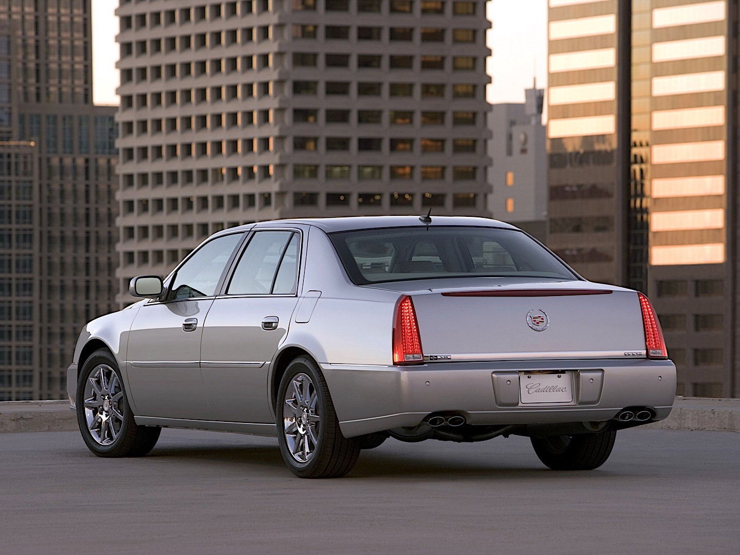 Cadillac Dts on Cadillac Northstar V8 Engine