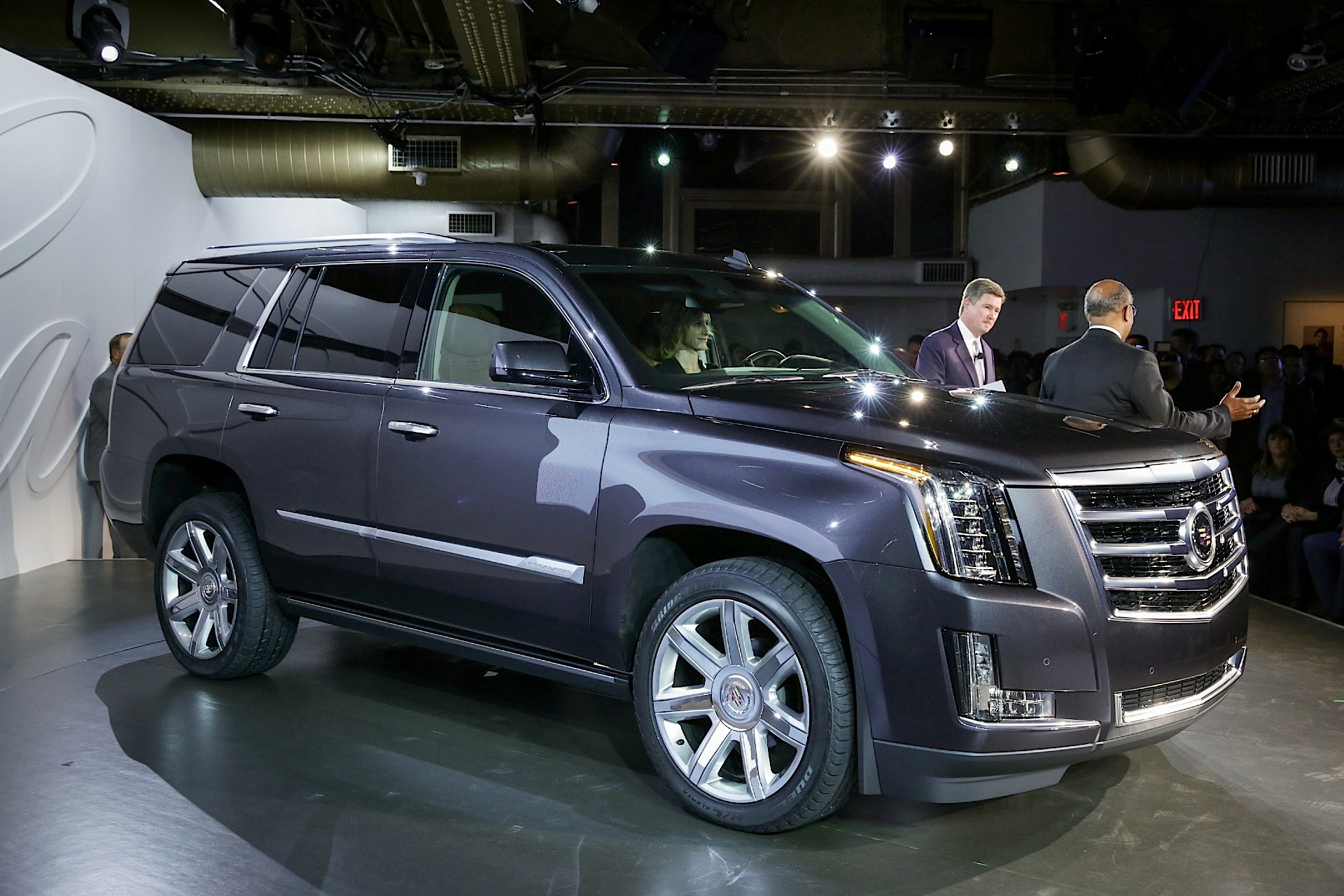 Toyota Of Bowling Green >> CADILLAC Escalade specs & photos - 2014, 2015, 2016, 2017, 2018, 2019 - autoevolution