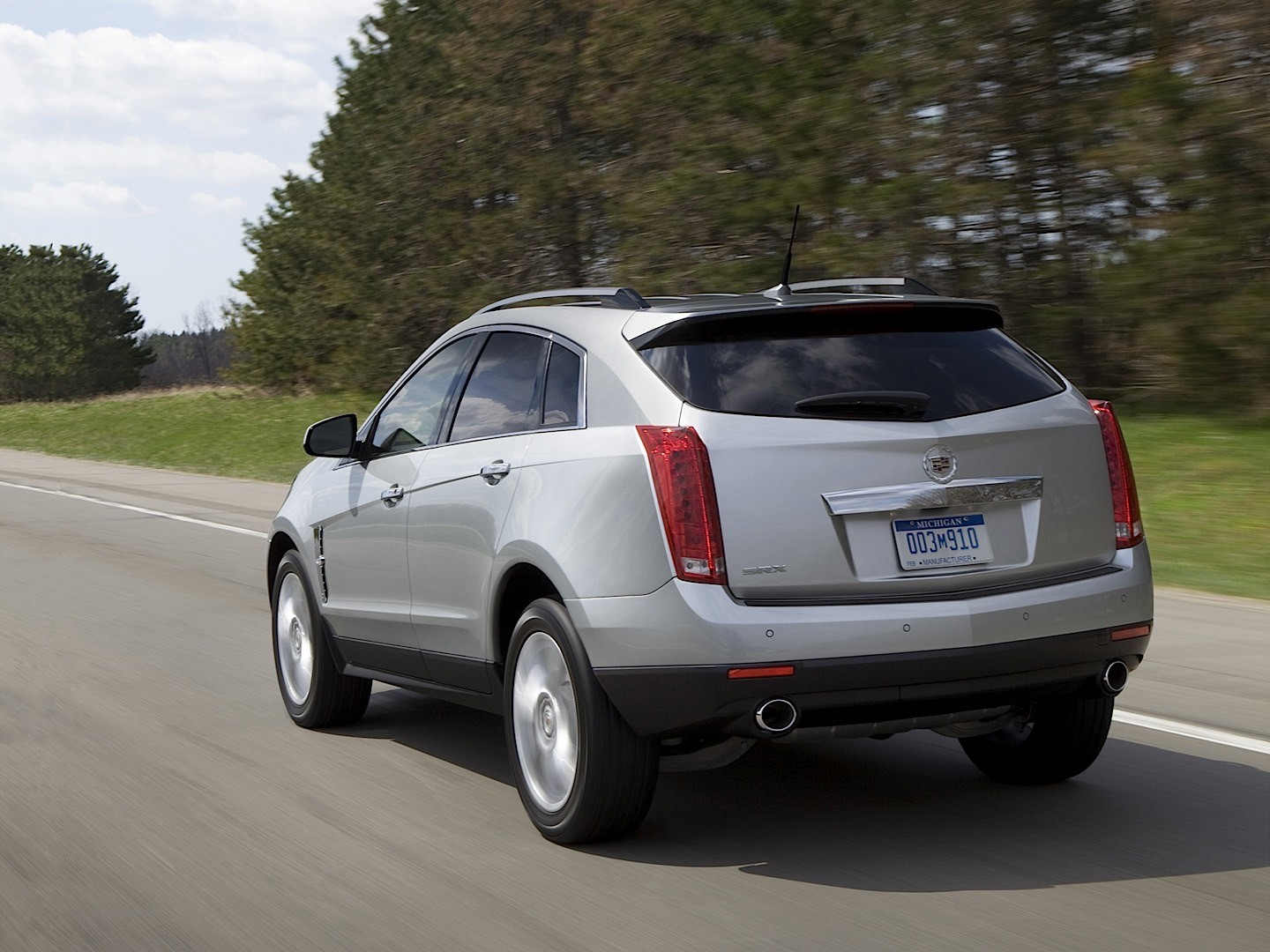 cadillac srx specs photos 2009 2010 2011 2012 2013 2014 2015 2016 autoevolution. Black Bedroom Furniture Sets. Home Design Ideas