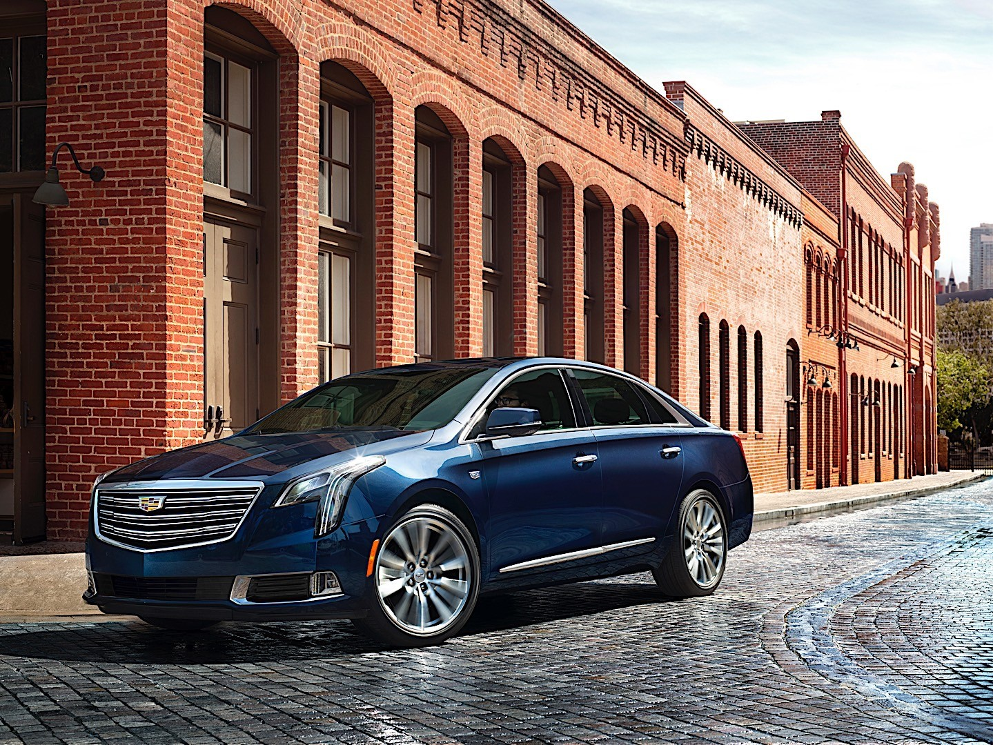 CADILLAC XTS specs & photos - 2017, 2018, 2019 - autoevolution