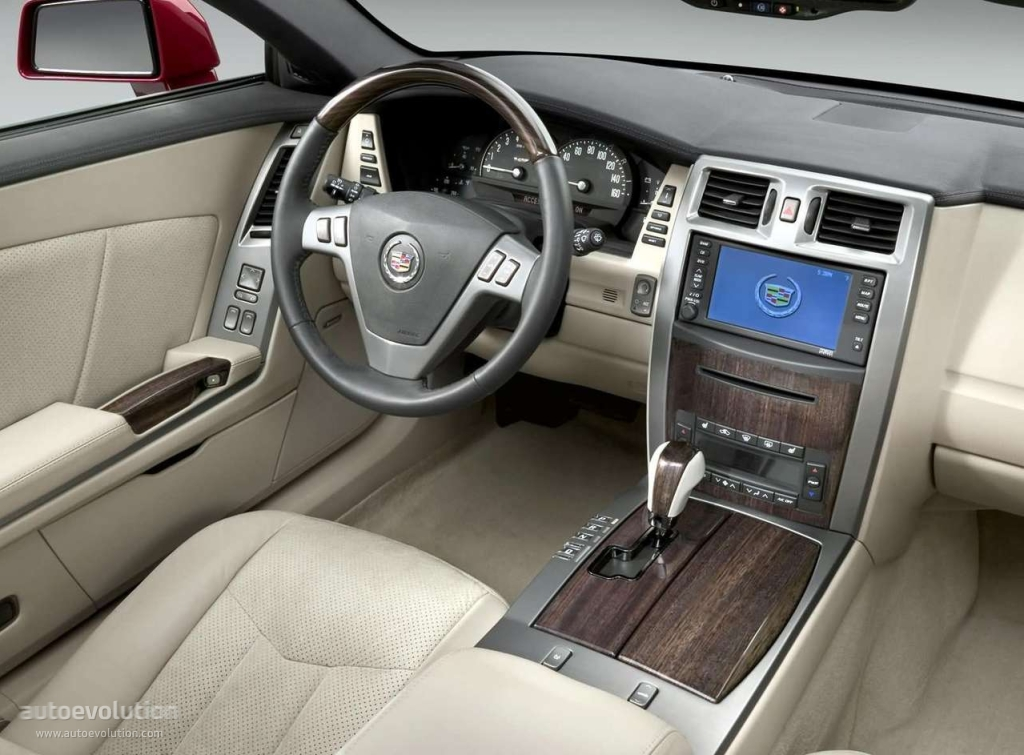 Cadillac Xlr V Specs Amp Photos 2005 2006 2007