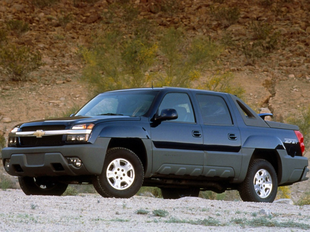 Chevrolet Avalanche Specs Amp Photos 2001 2002 2003