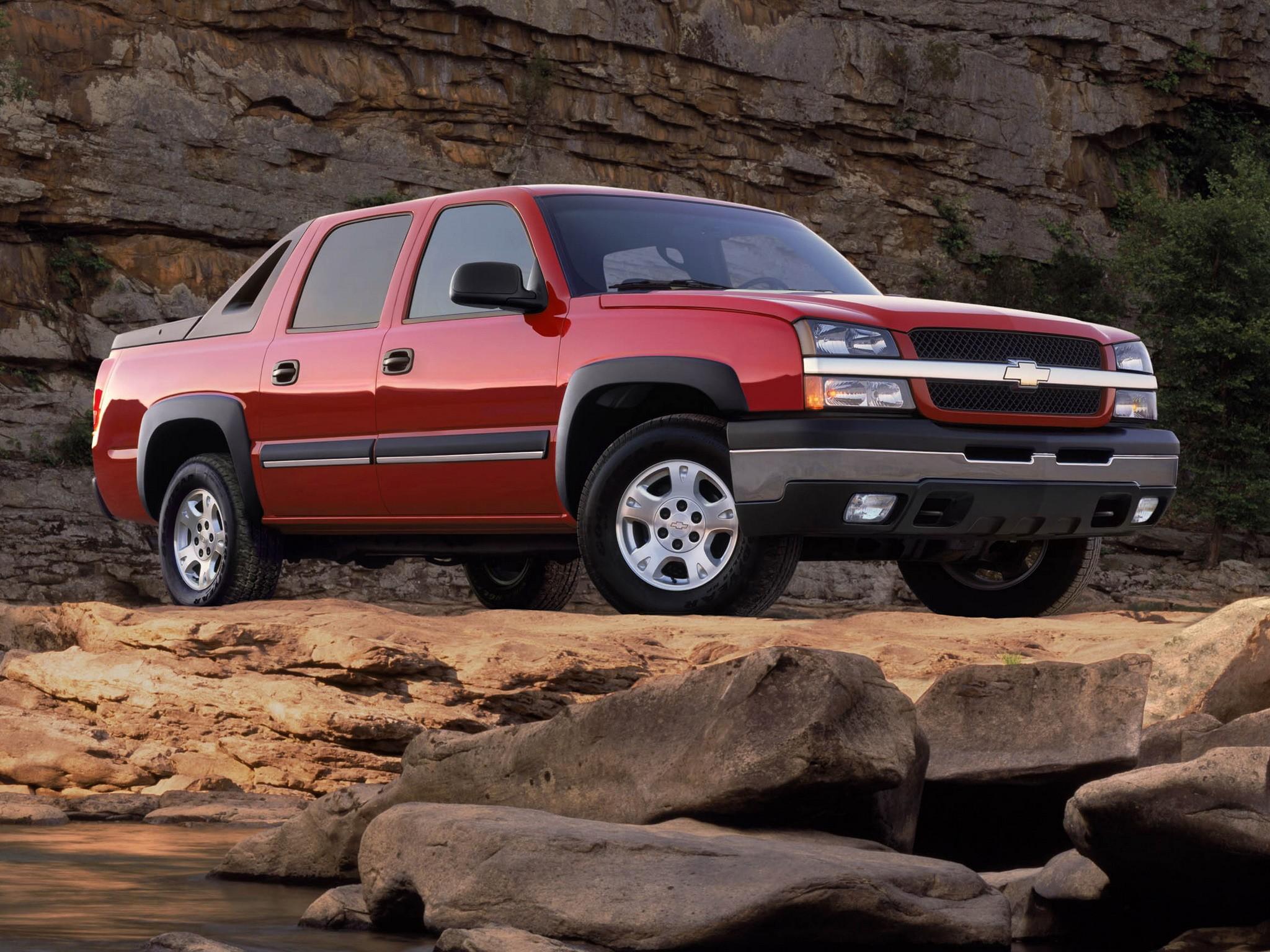 Cadillac Escalade Ext >> CHEVROLET Avalanche - 2001, 2002, 2003, 2004, 2005, 2006 - autoevolution