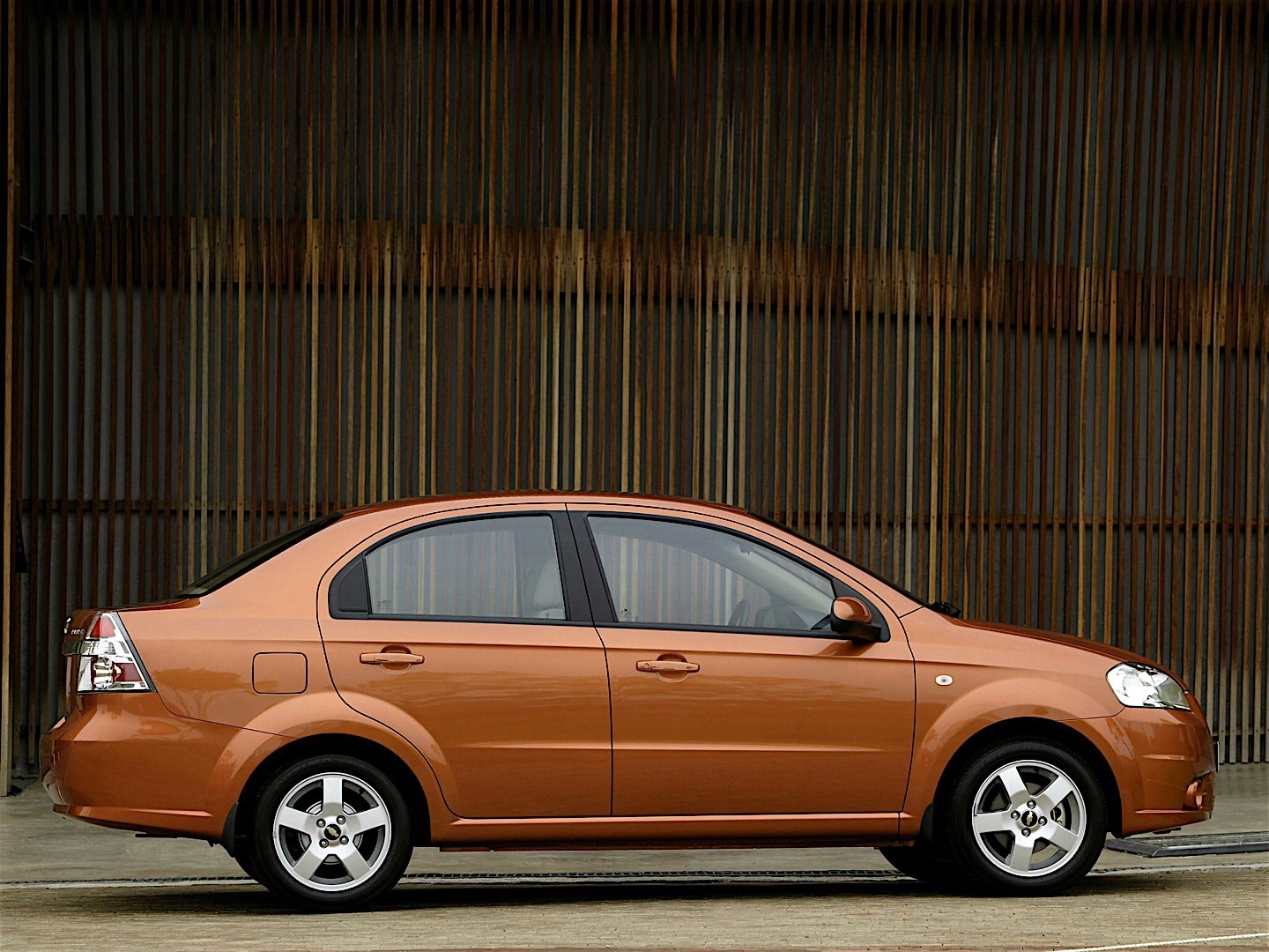 Chevrolet Aveo Kalos Sedan Specs Amp Photos 2005 2006