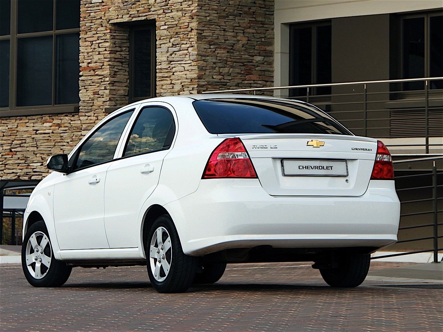 CHEVROLET Aveo/Kalos Sedan specs & photos - 2005, 2006 ...