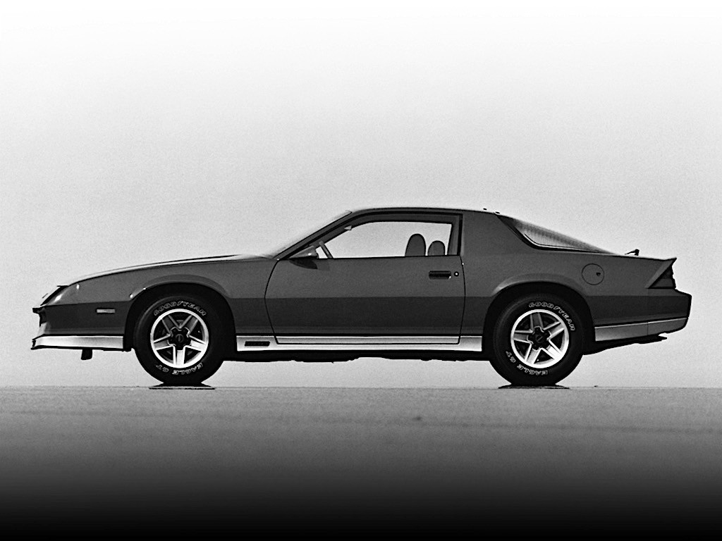 CHEVROLET Camaro specs & photos - 1982, 1983, 1984, 1985