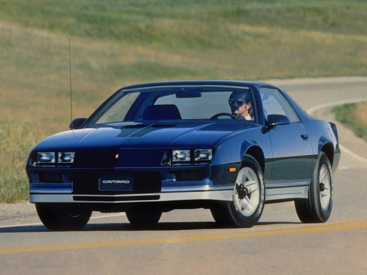 CHEVROLET Camaro specs & photos - 1982, 1983, 1984, 1985 ...