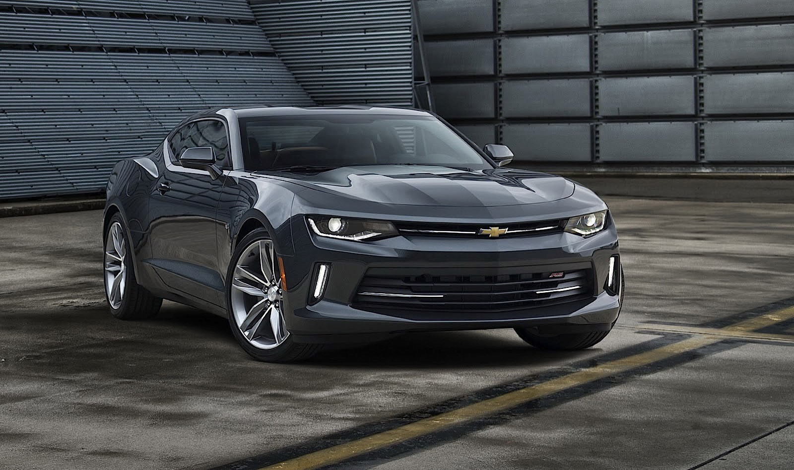 CHEVROLET Camaro specs & photos - 2016, 2017, 2018 ...