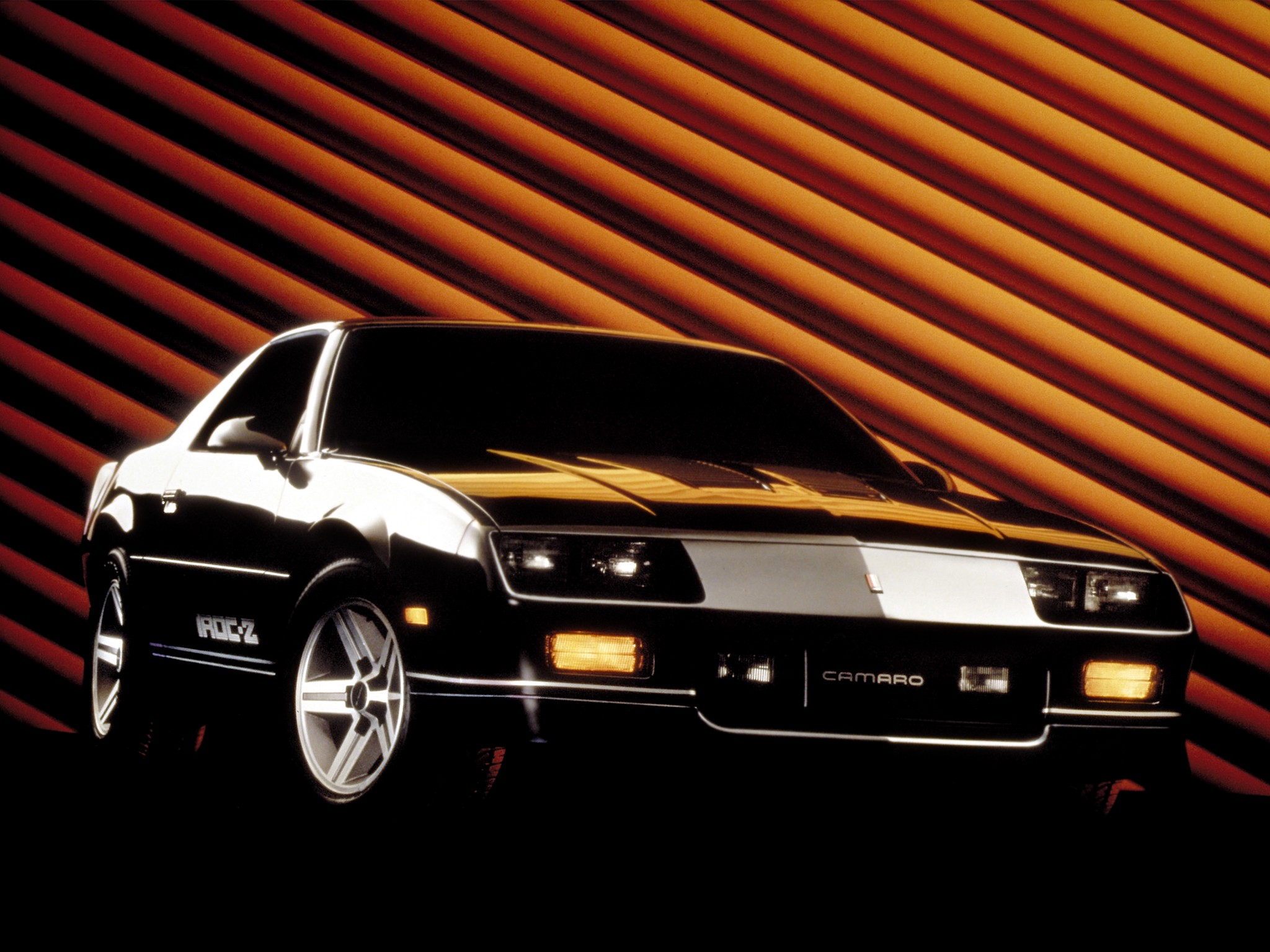 CHEVROLET Camaro IROC-Z28 specs & photos - 1984, 1985, 1986