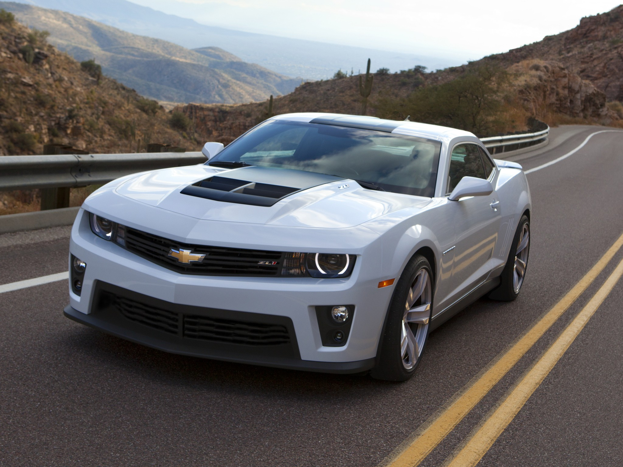 Chevrolet Camaro Zl1 Specs Amp Photos 2012 2013 2014