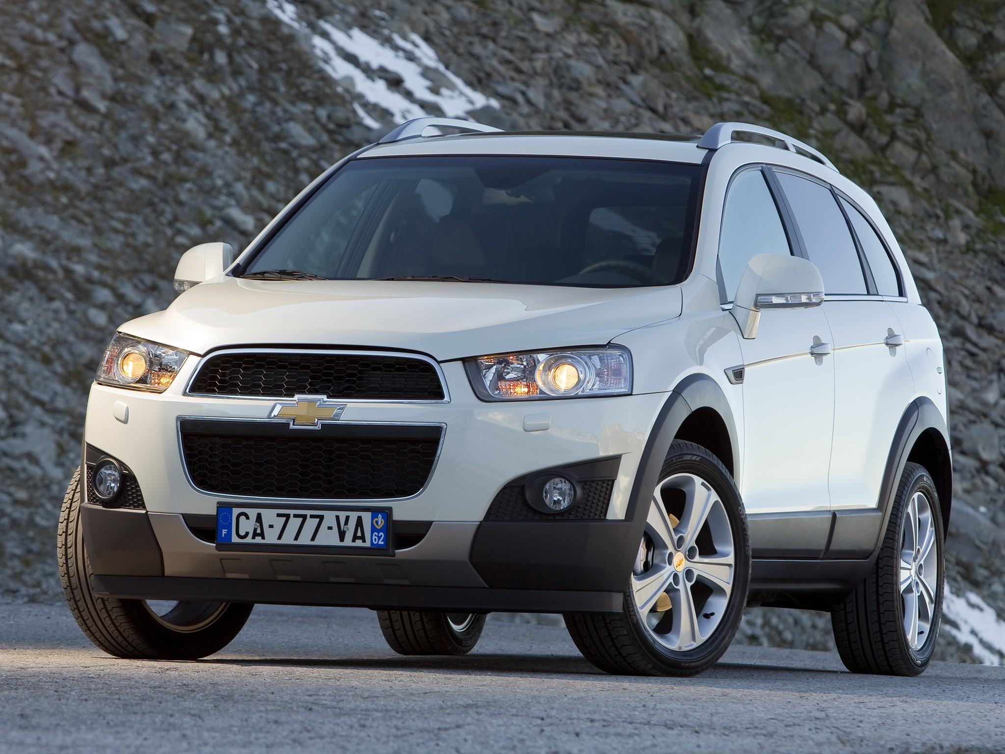chevrolet captiva specs  u0026 photos