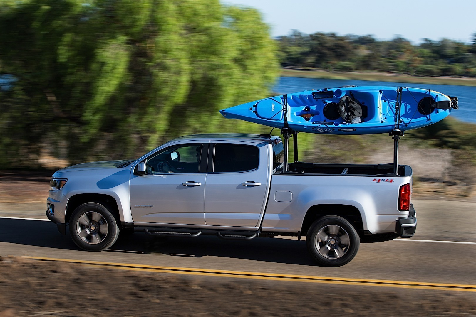 2016 Duramax Specs >> CHEVROLET Colorado Crew Cab specs & photos - 2015, 2016 ...