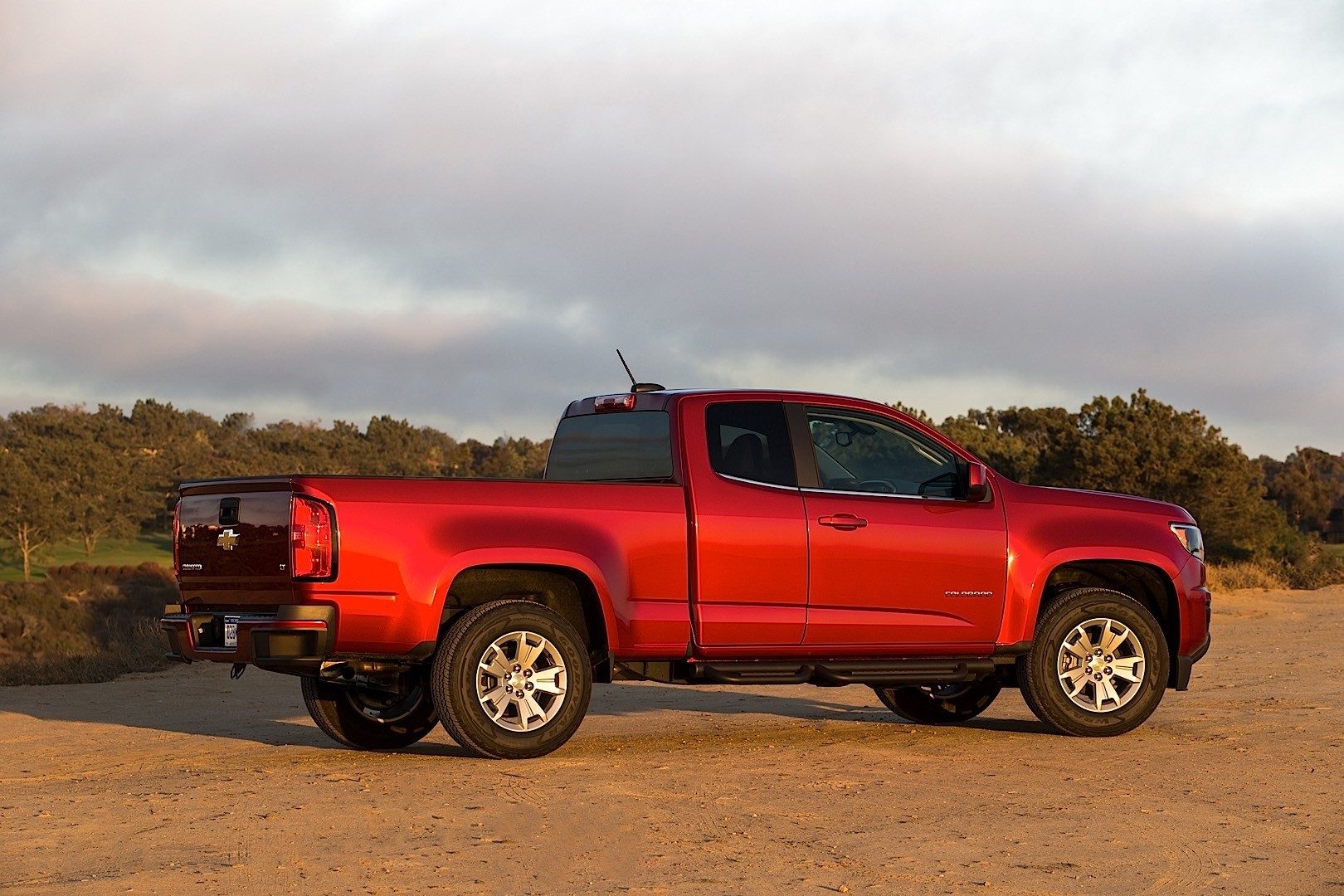 chevrolet colorado extended cab 2015 2016 2017 autoevolution. Black Bedroom Furniture Sets. Home Design Ideas