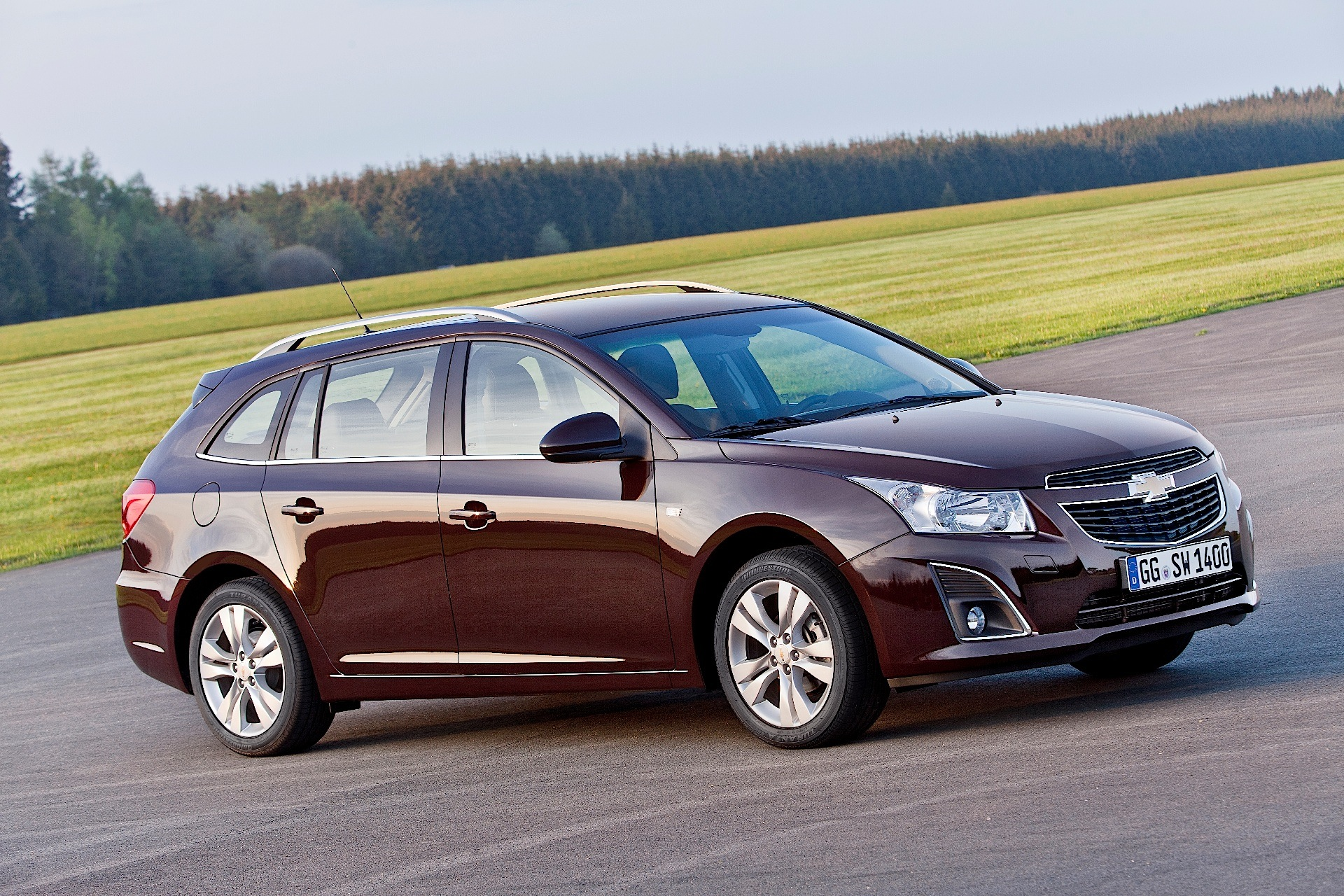 chevrolet cruze wagon specs photos 2012 2013 2014. Black Bedroom Furniture Sets. Home Design Ideas