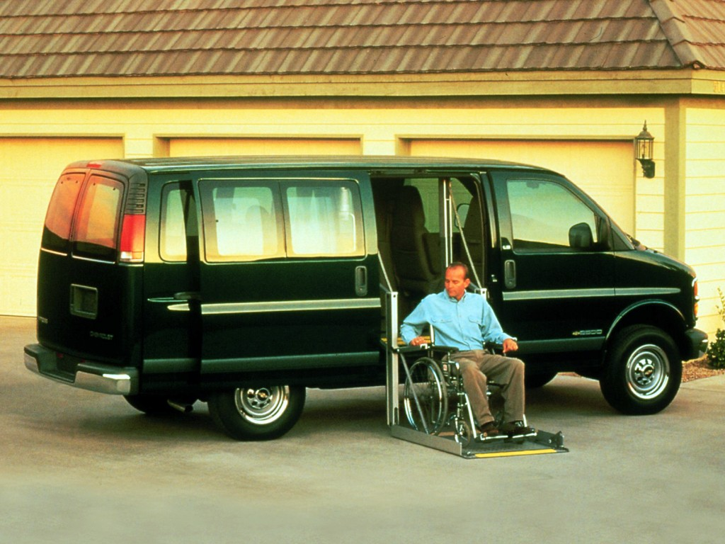 1997 chevy express 3500 weight