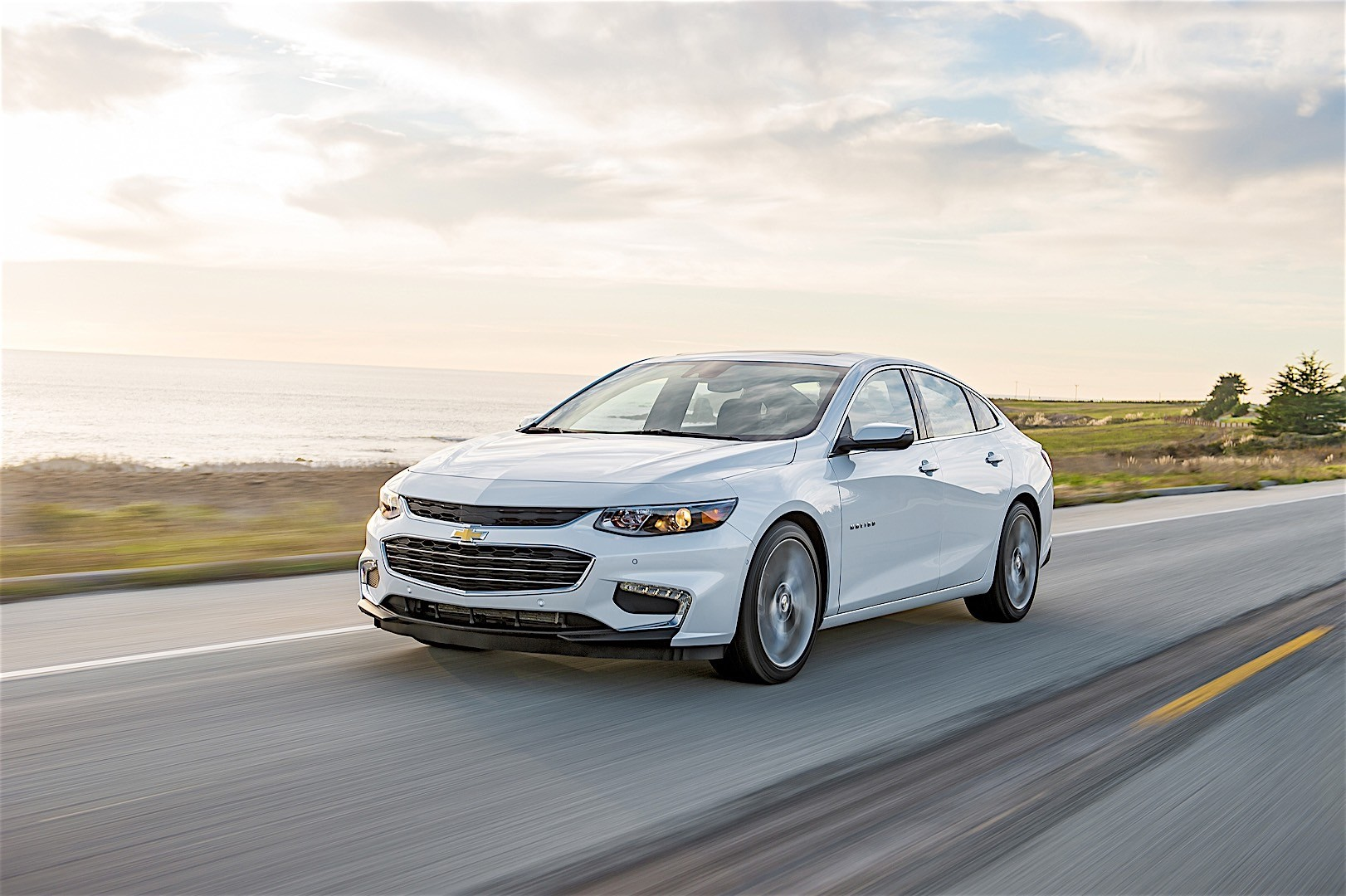 Chevrolet Malibu Specs Photos 2016 2017 2018 Autoevolution