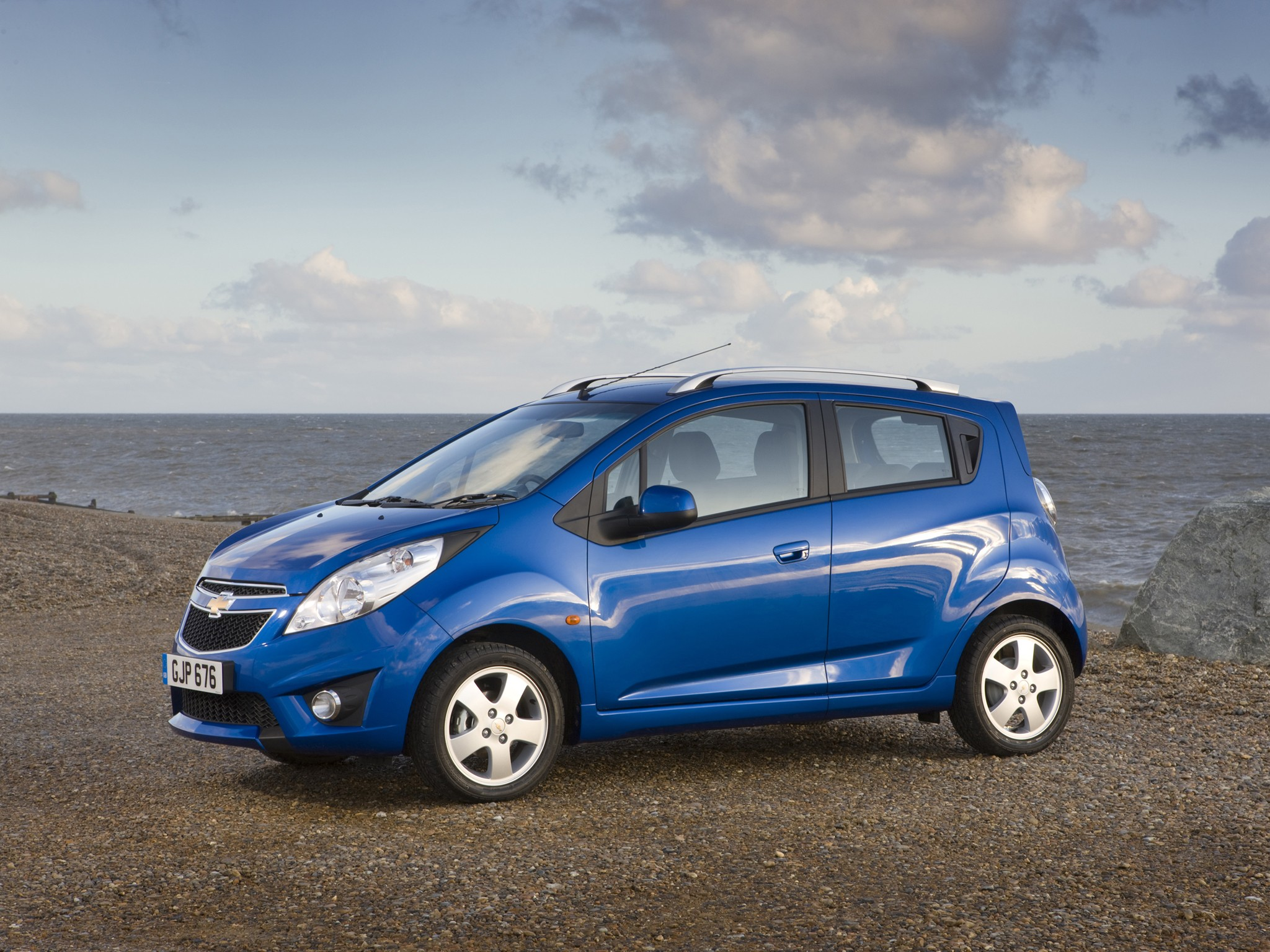 CHEVROLET Matiz / Spark (M300) specs & photos - 2009, 2010 ...