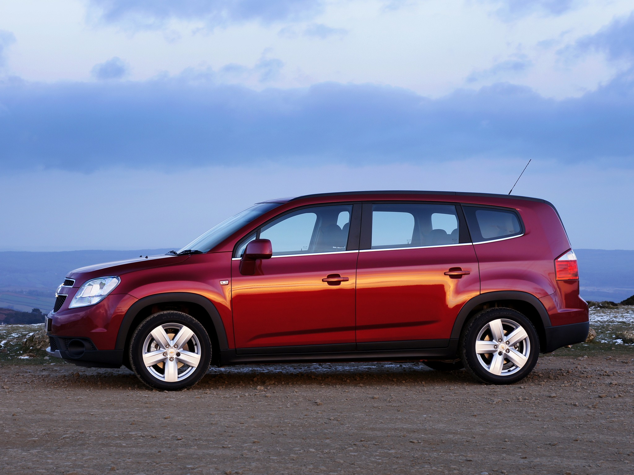 CHEVROLET Orlando specs & photos - 2010, 2011, 2012, 2013 ...