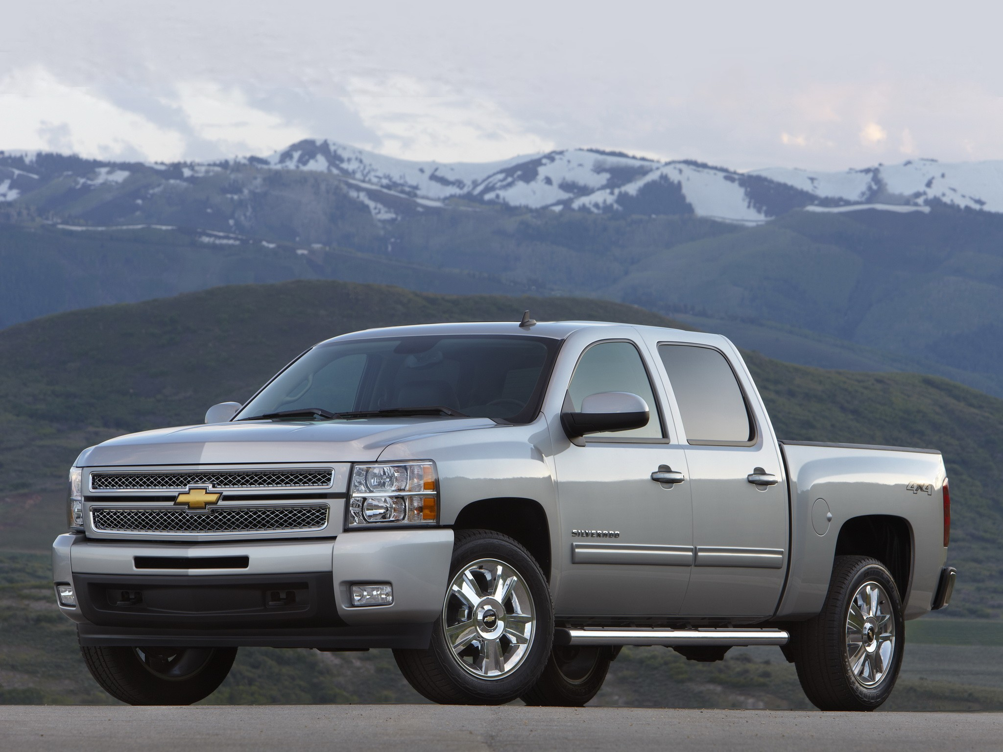 chevrolet silverado 1500 crew cab specs 2008 2009 2010 2011 2012 autoevolution. Black Bedroom Furniture Sets. Home Design Ideas