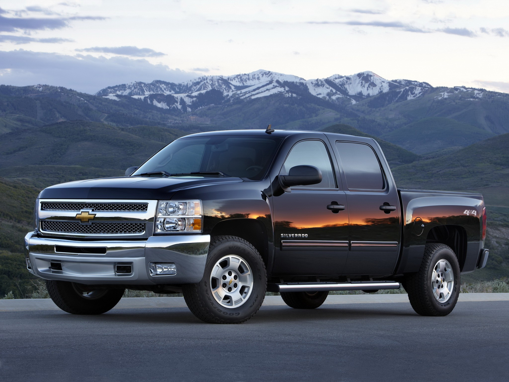 chevrolet silverado 1500 crew cab specs 2008 2009 2010. Black Bedroom Furniture Sets. Home Design Ideas